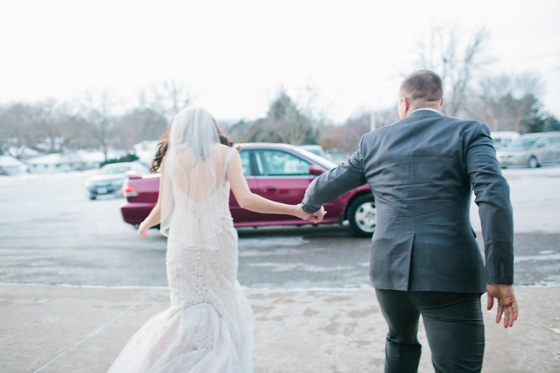 photojournalistic-des-moines-iowa-wedding-photography-amelia-renee-photography
