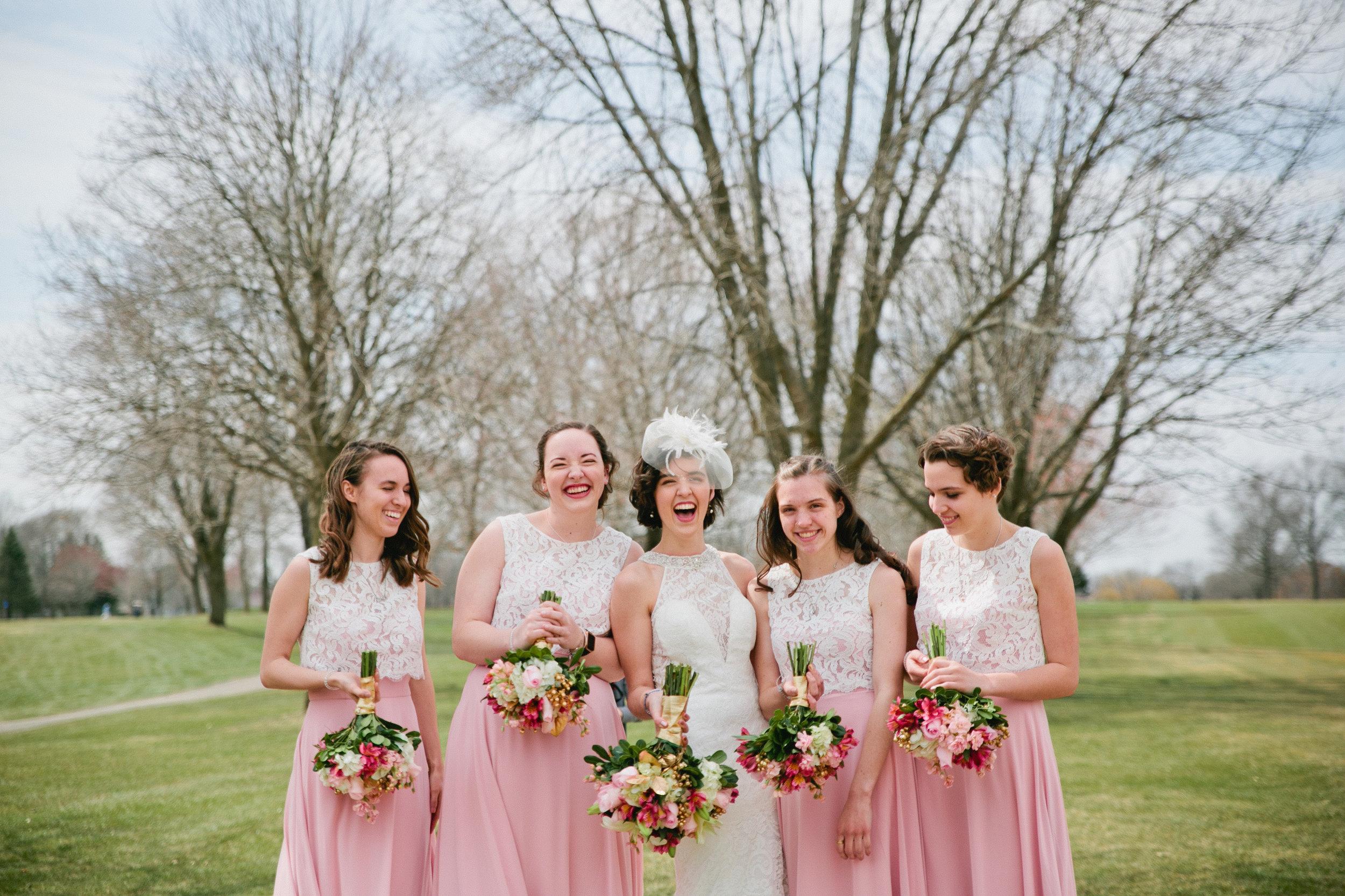 do wedding photographers shoot manual