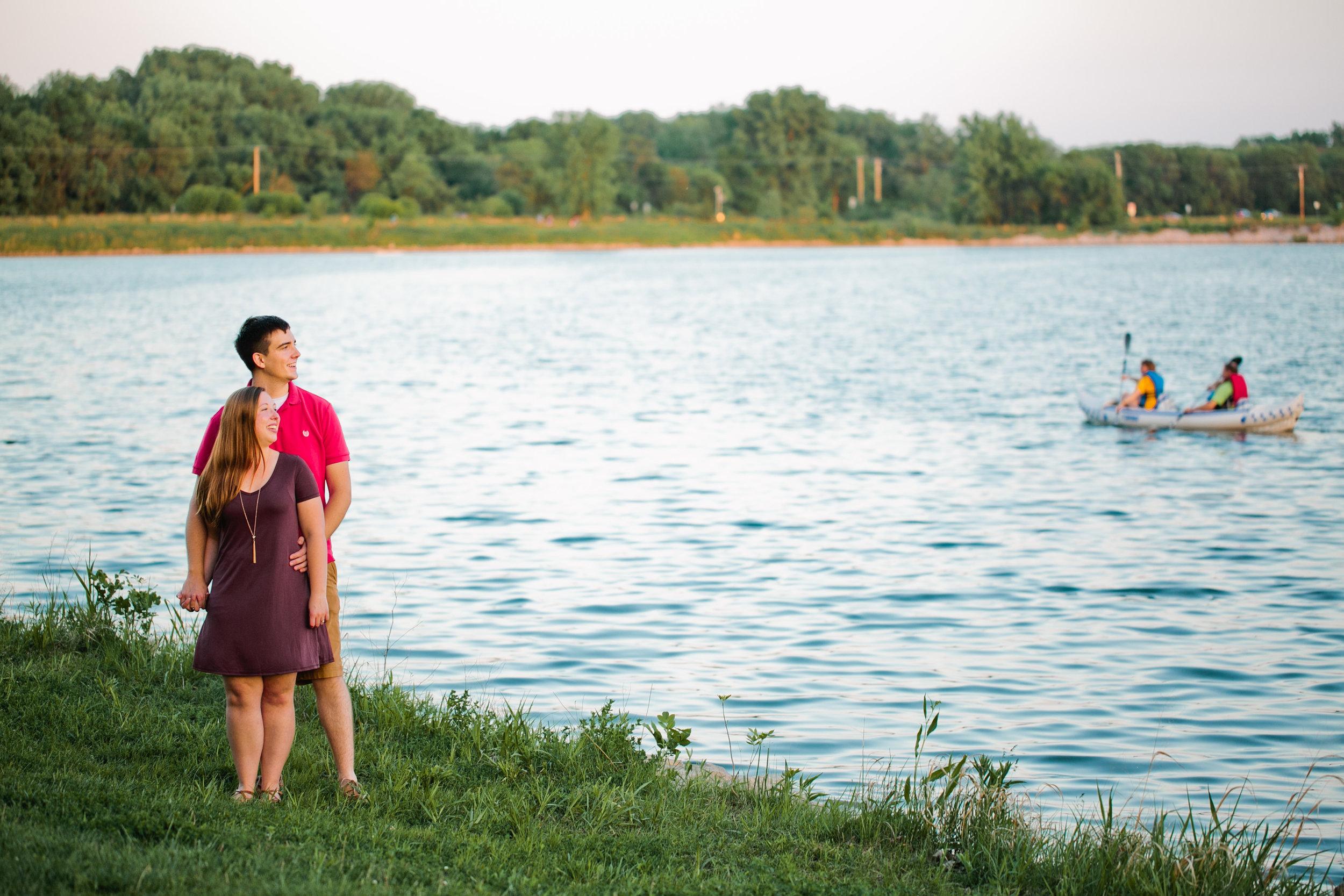 engagement-session-lake-canoes-summer