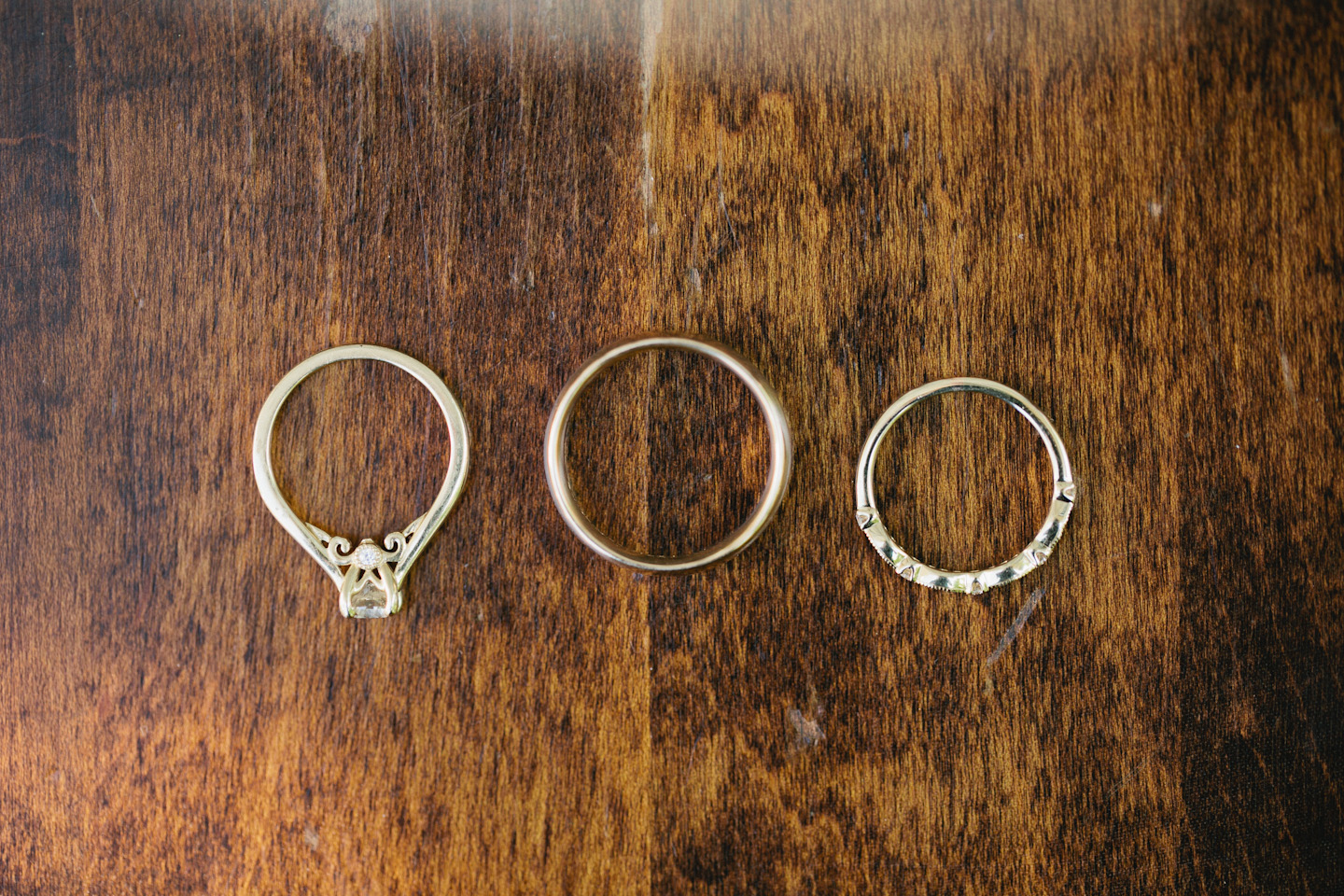 how to photograph wedding rings