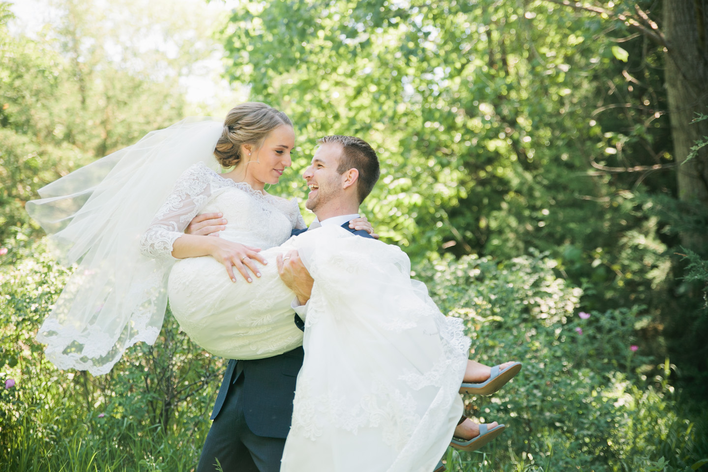 highest rated wedding photographers in Omaha