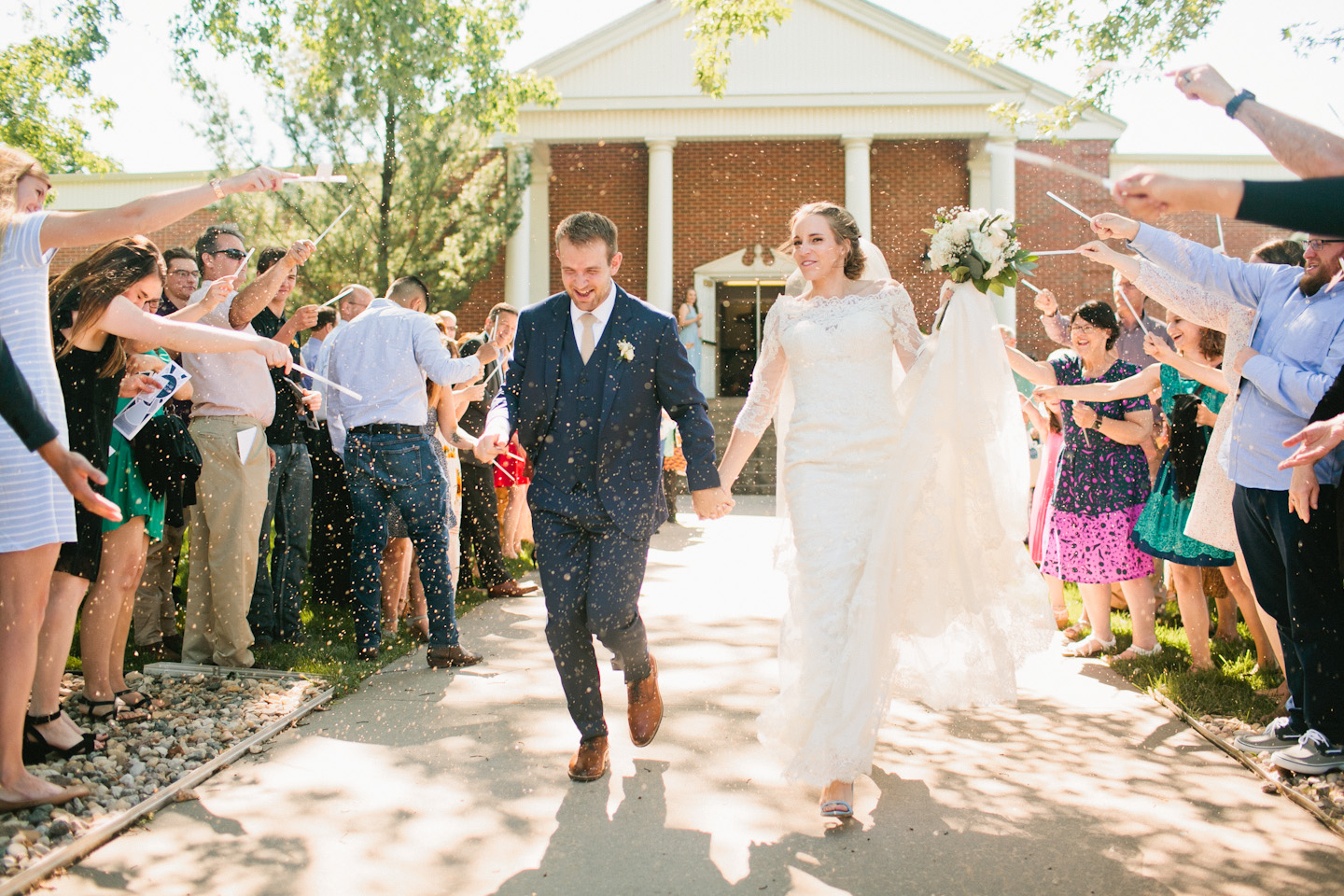 olivia-phil-omaha-outdoor-wedding-photos