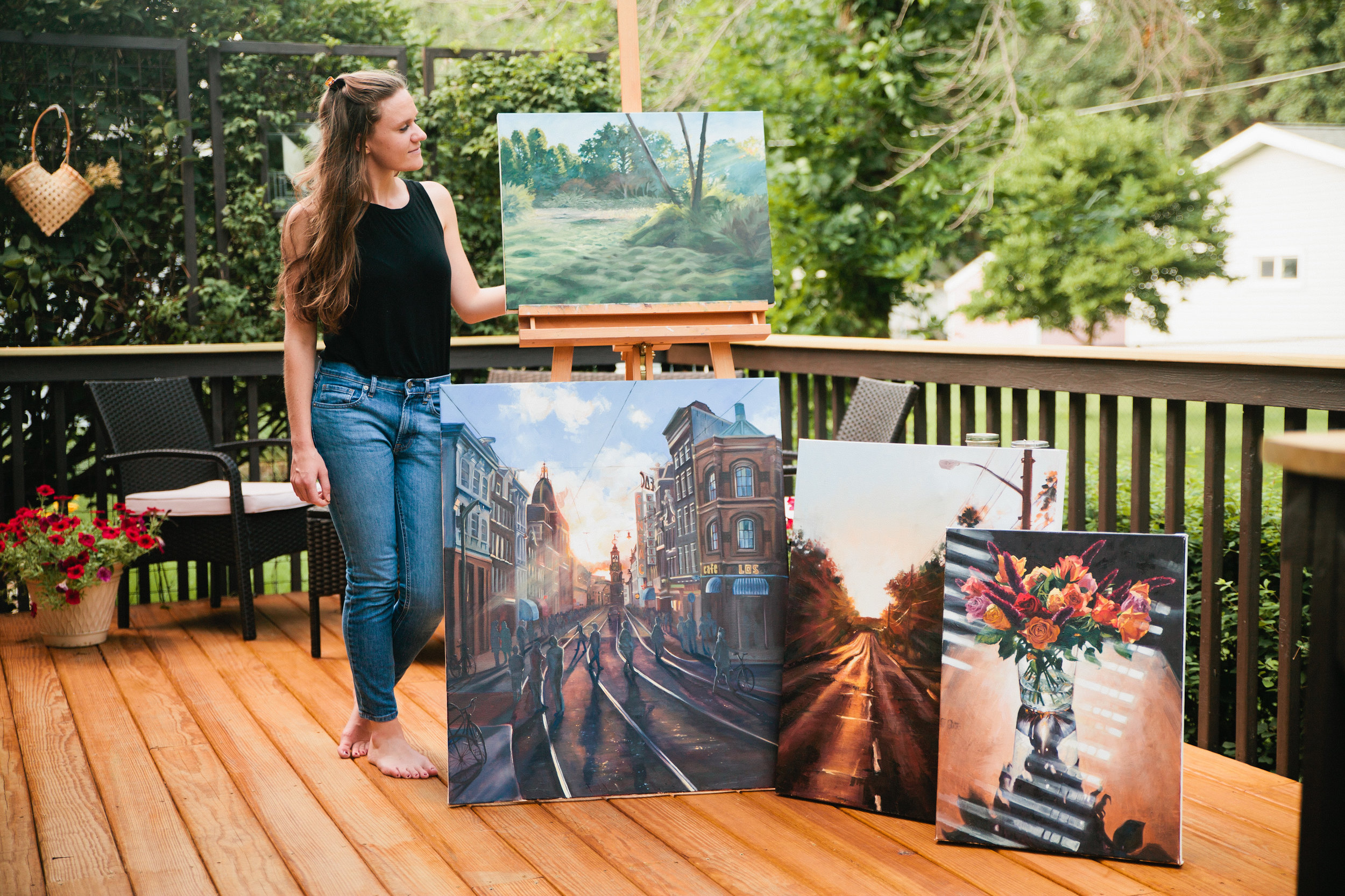 Amelia Ann painter and artist displaying her paintings