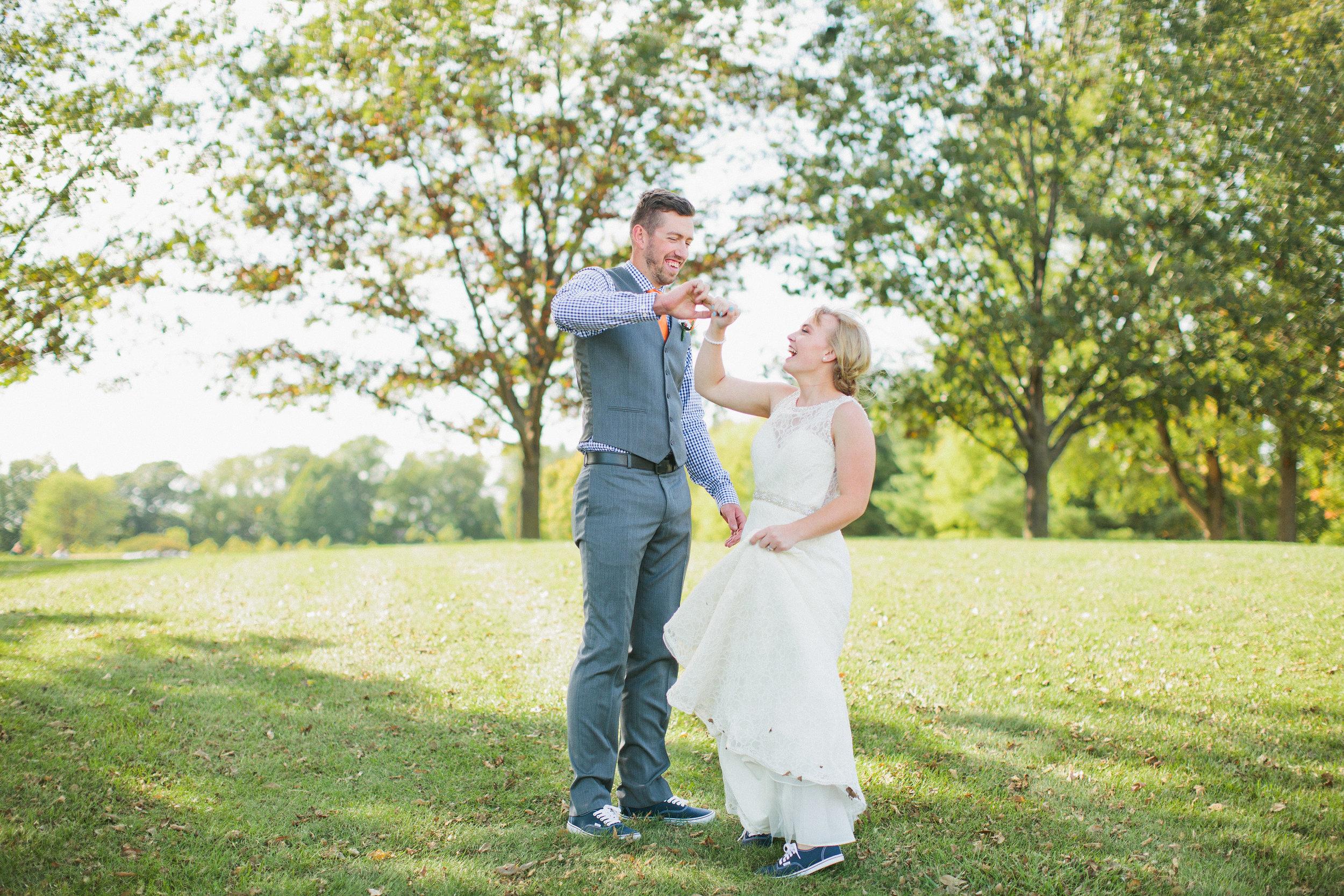 kyle-joelle_reiman_gardens_wedding_photography