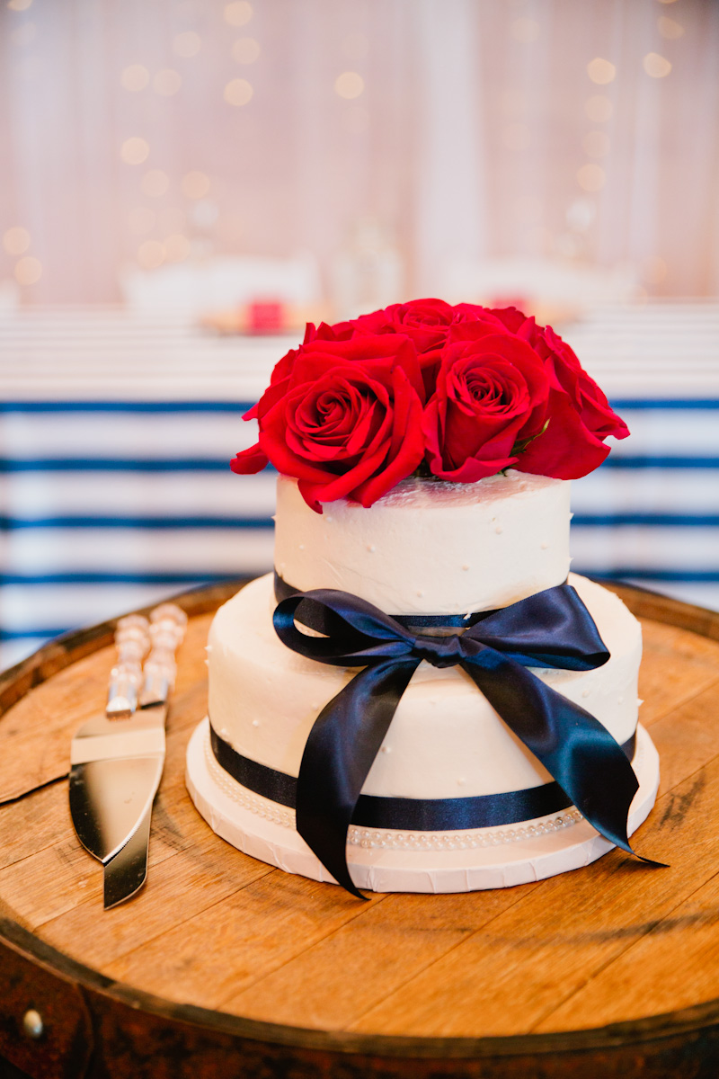 red white and blue wedding cake for the 4th of July