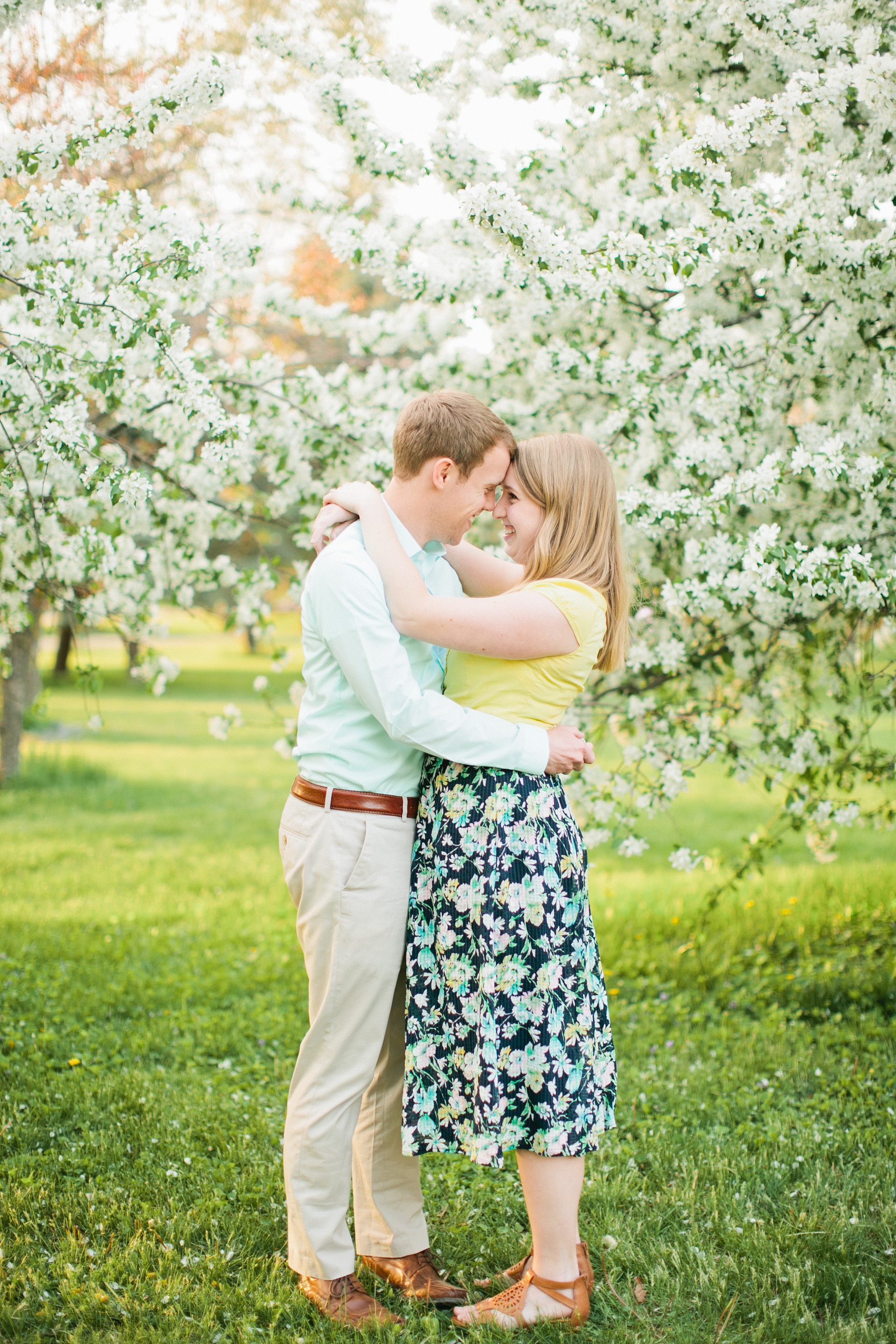 light and airy photographers in Des Moines Iowa