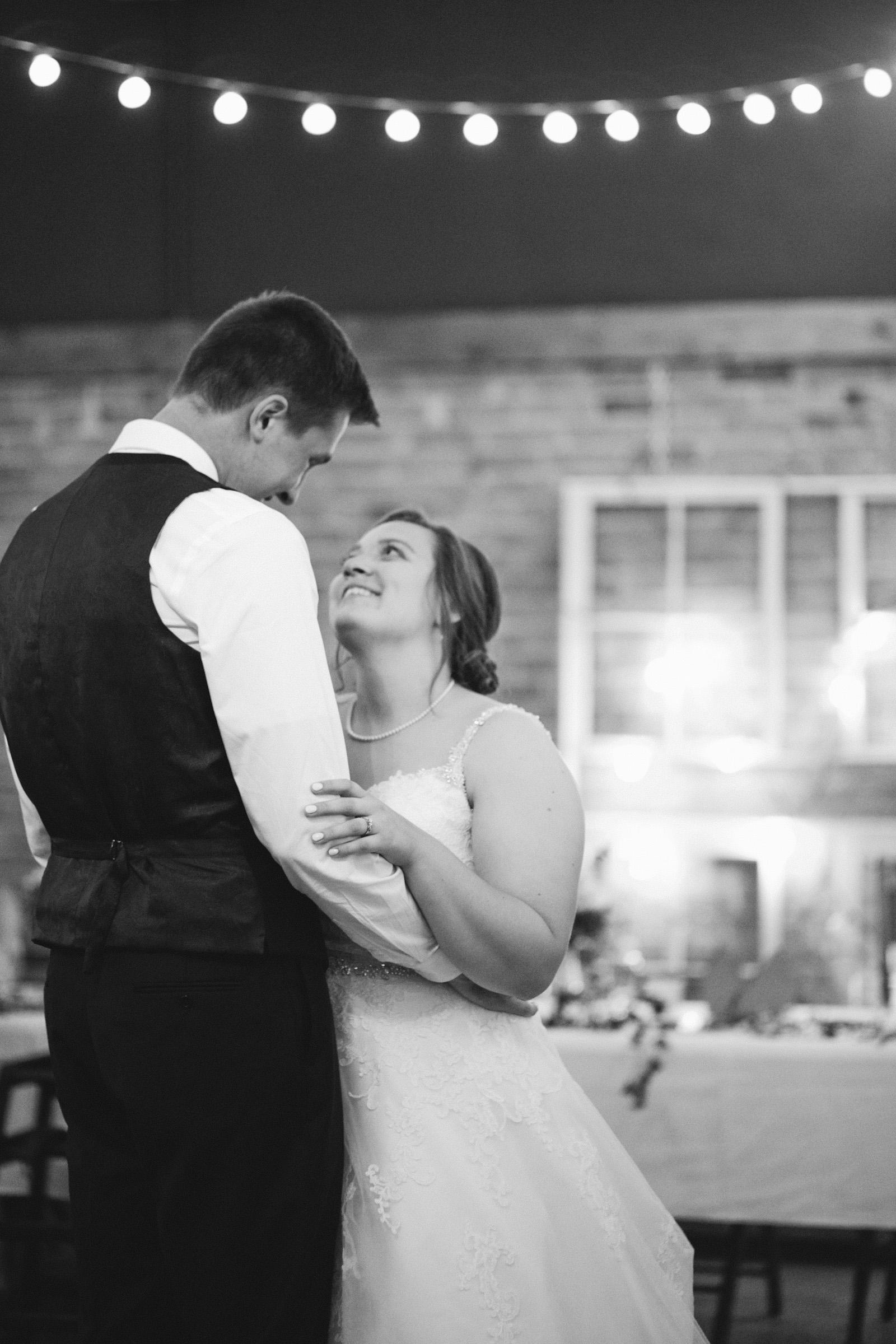 des-moines-urbandale-wedding-photographer