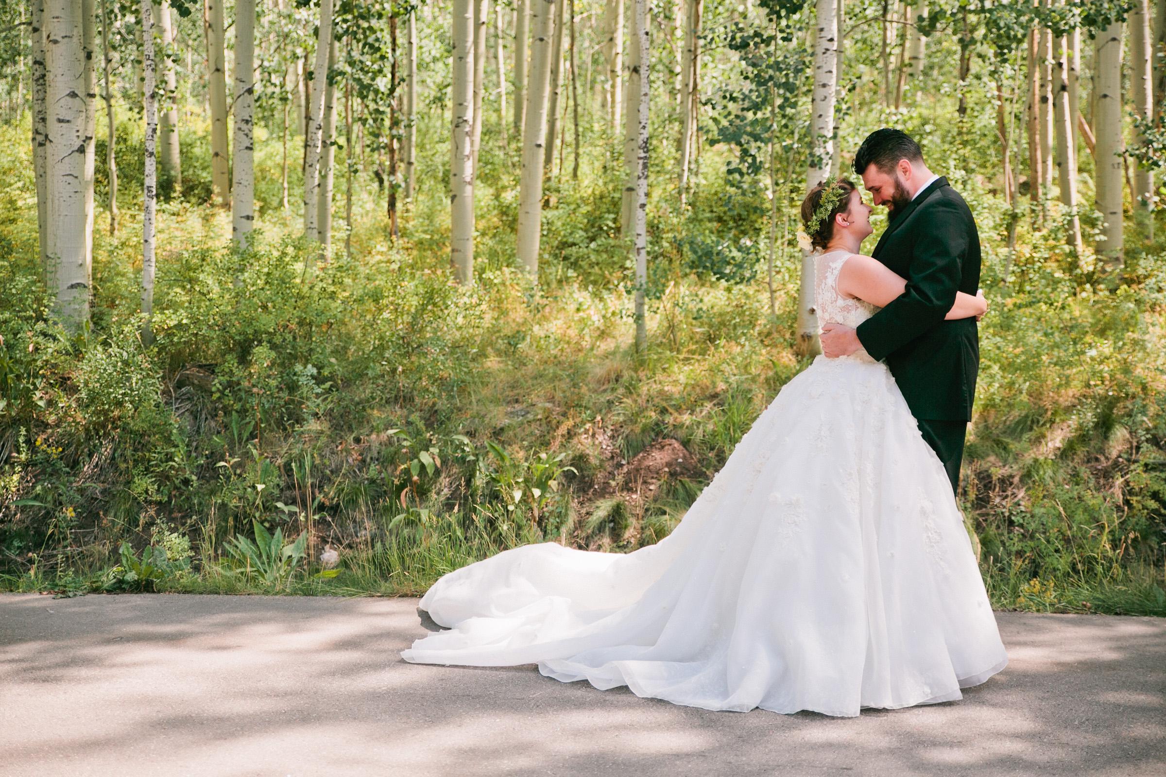 first_look_vail_colorado_wedding_venues_mountains02