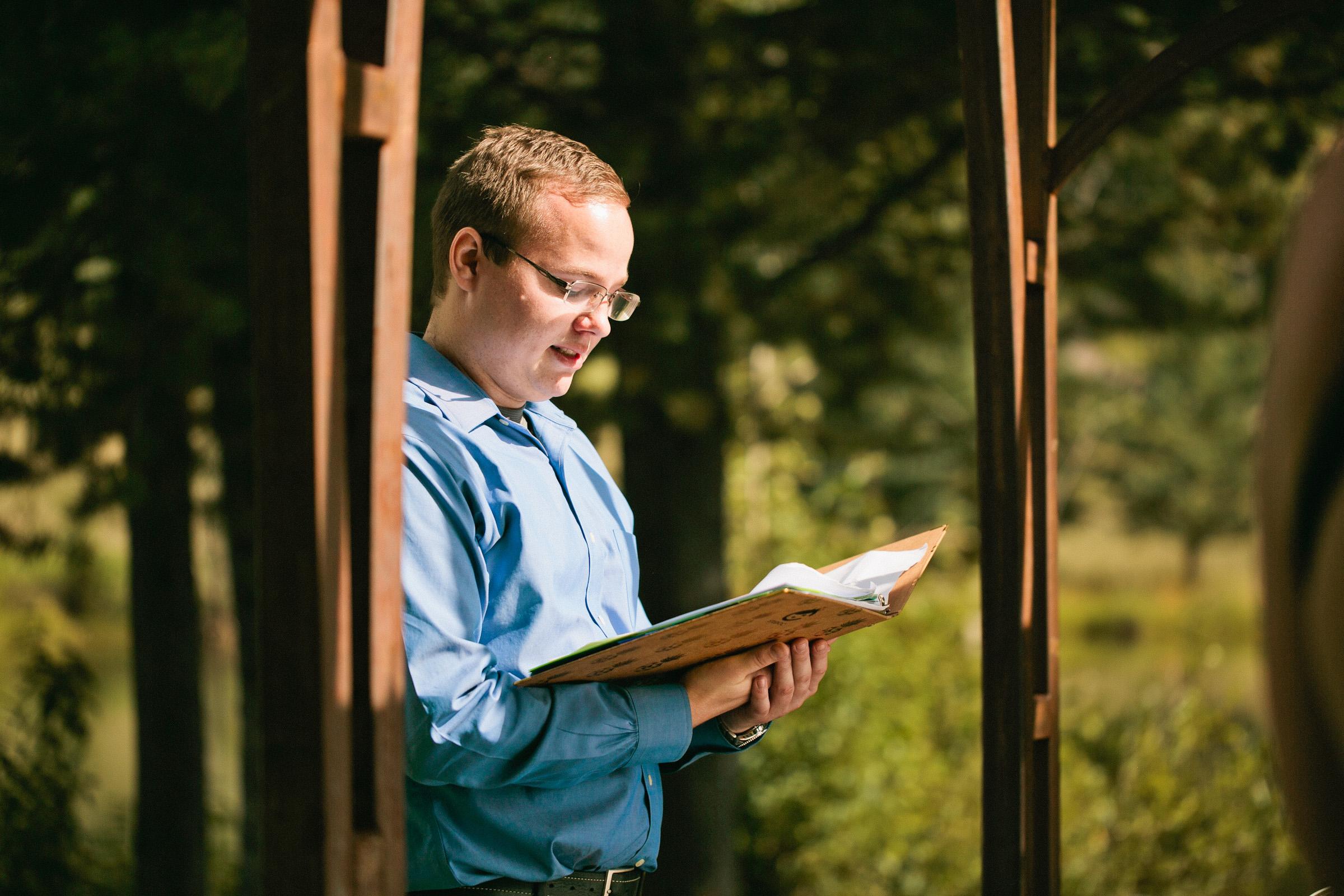 Colorado Mountain wedding photographer. Photographing in Keystone, Arapahoe Basin , Granby, Estes Park , Winter Park, Aspen, Leadville, Telluride , Silverton, Crested Butte, Breckenridge, Vail , Steamboat , and Durango.