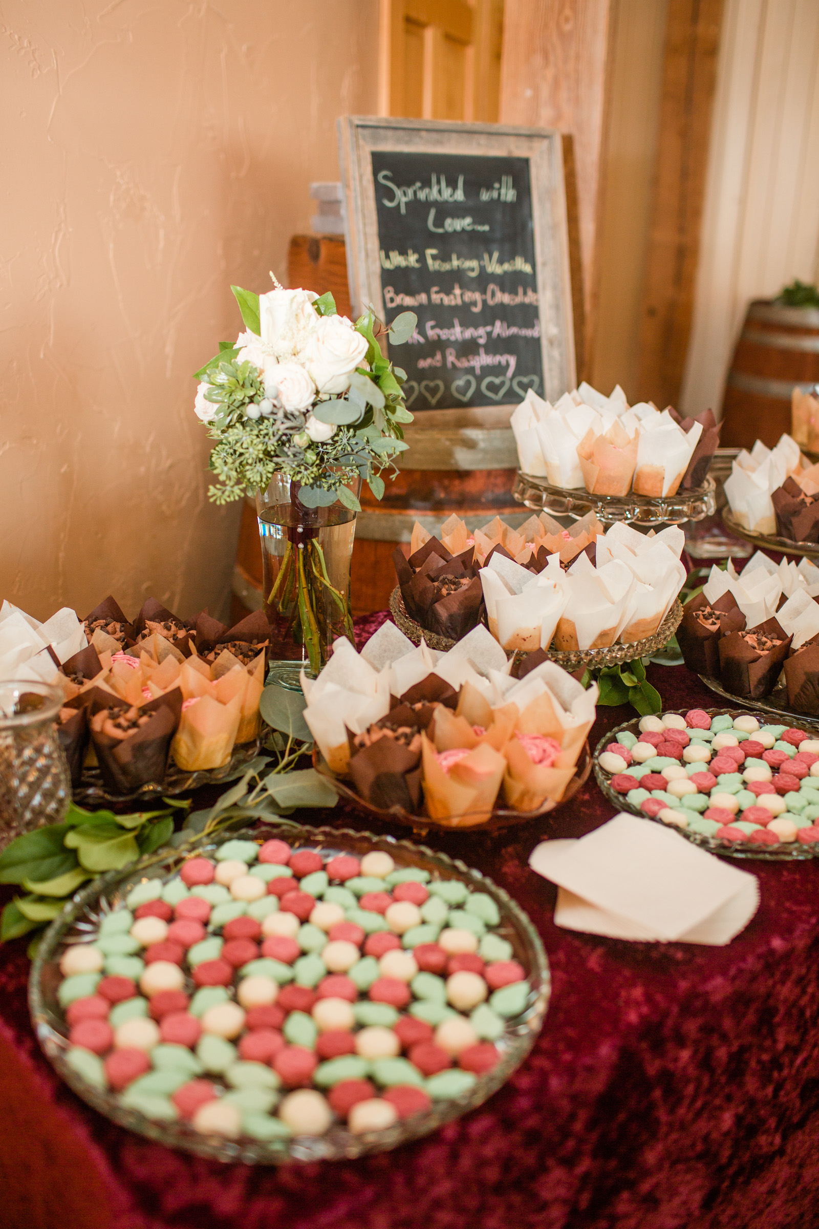 cupcake table wedding photography Prairie Moon Winery