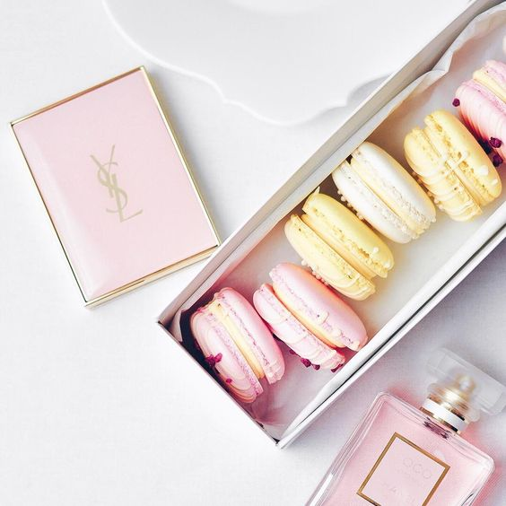 macarons-and-pink-perfume-french