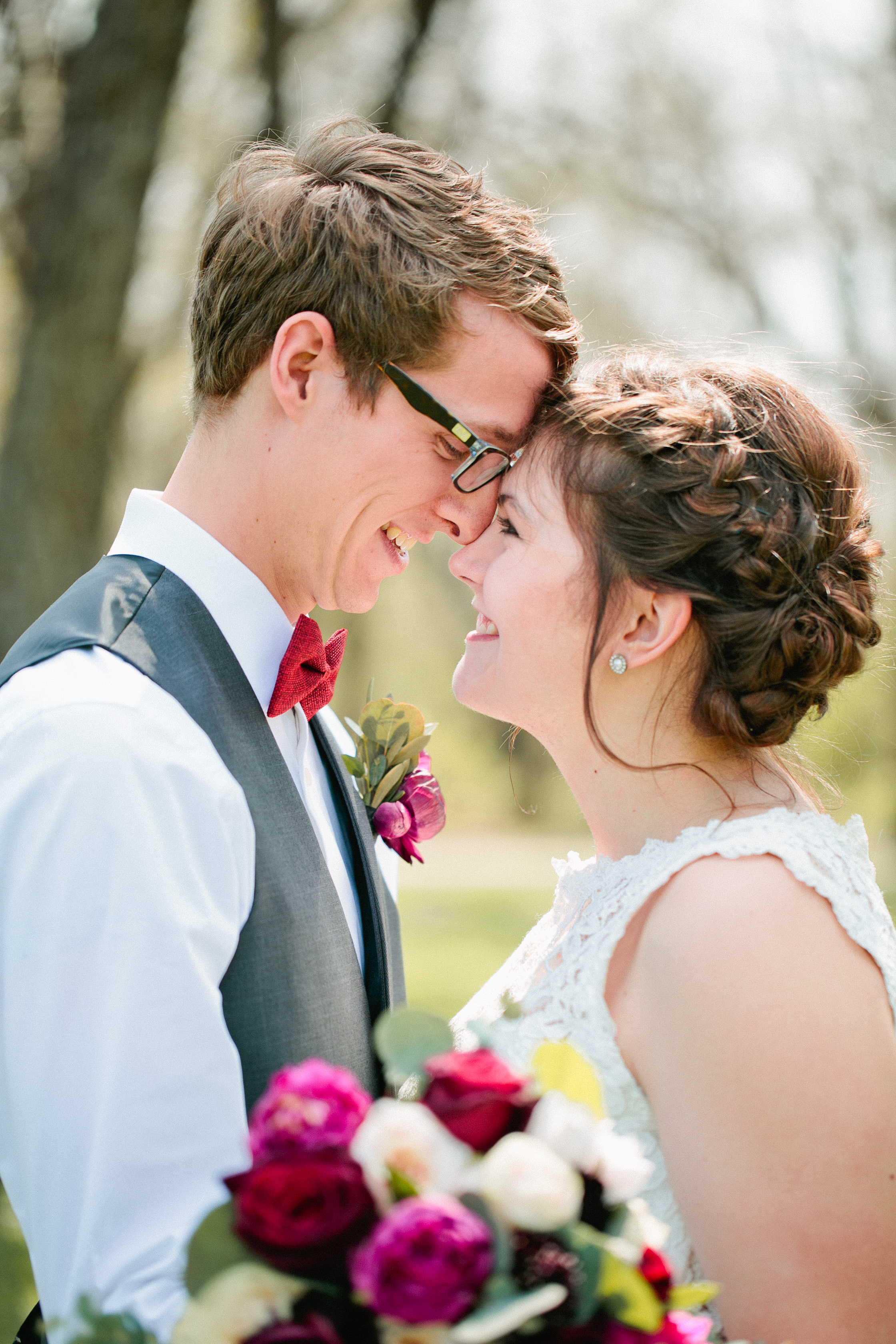 amelia renee is an Iowa acclaimed wedding photographer serving pella newton and des moines iowa