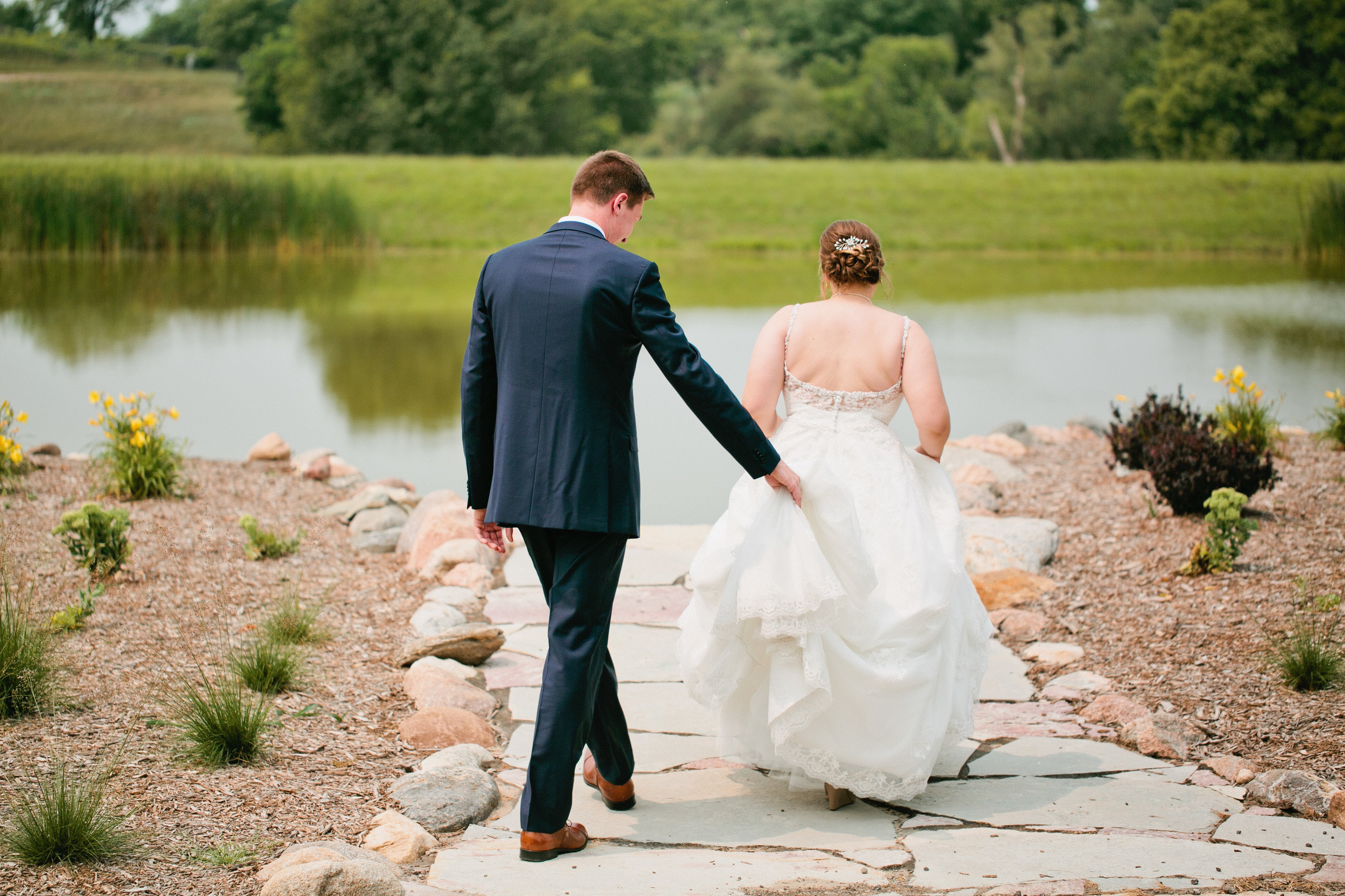 modern romantic fun wedding photogaphers