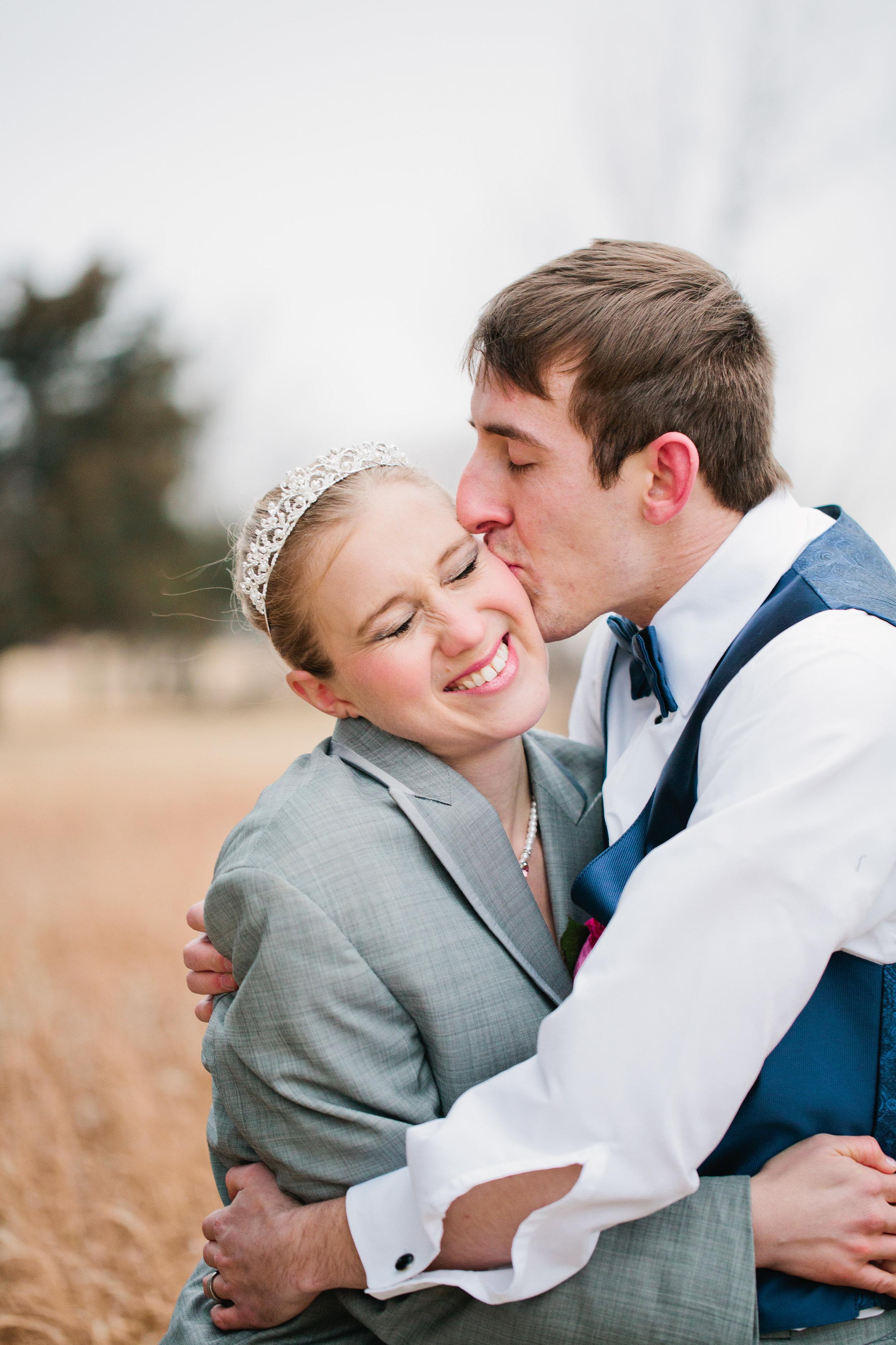 wedding photographers in Lawrence kansas