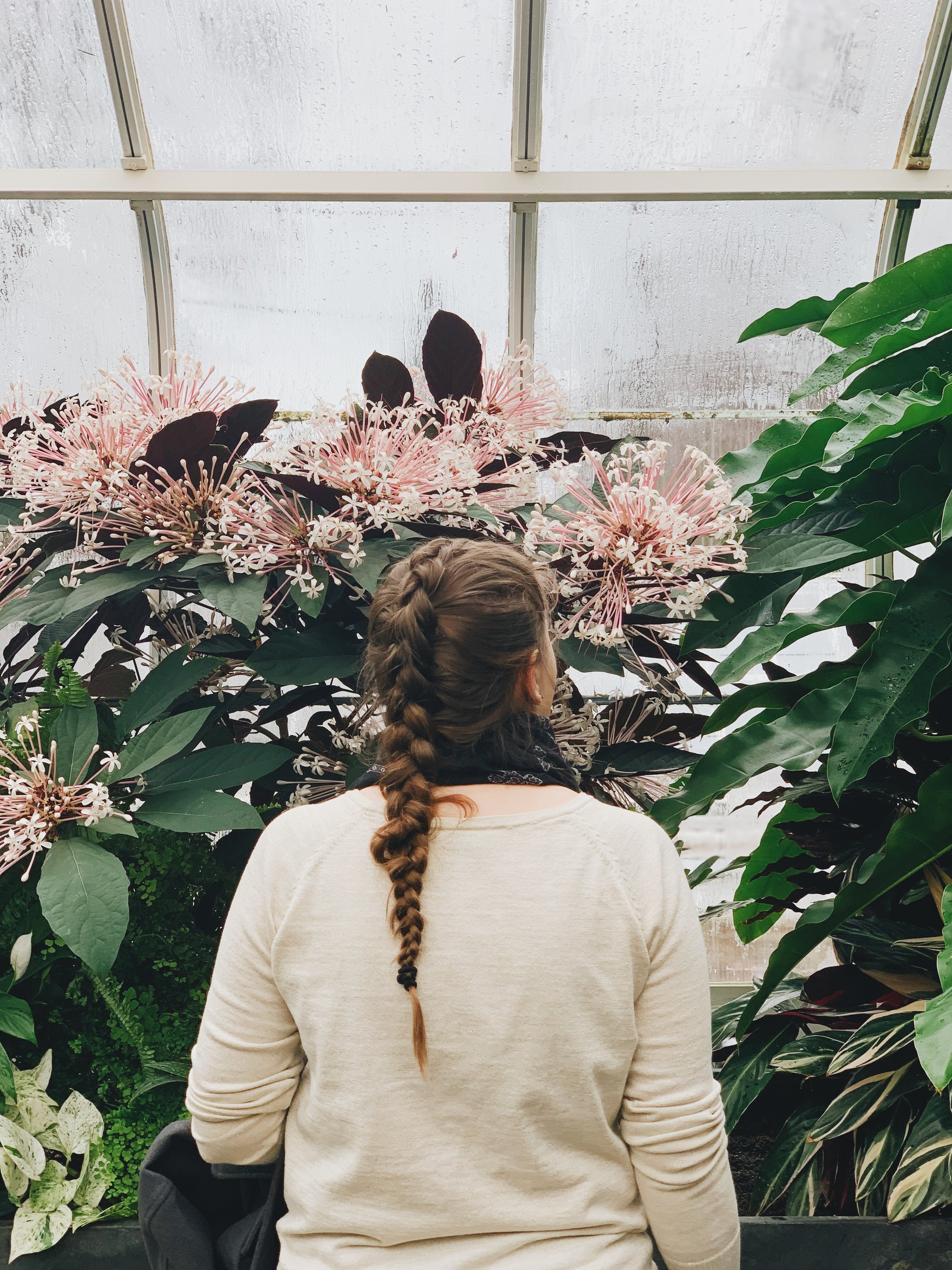 heather_standing_in_botanical_garden_seattle.JPG