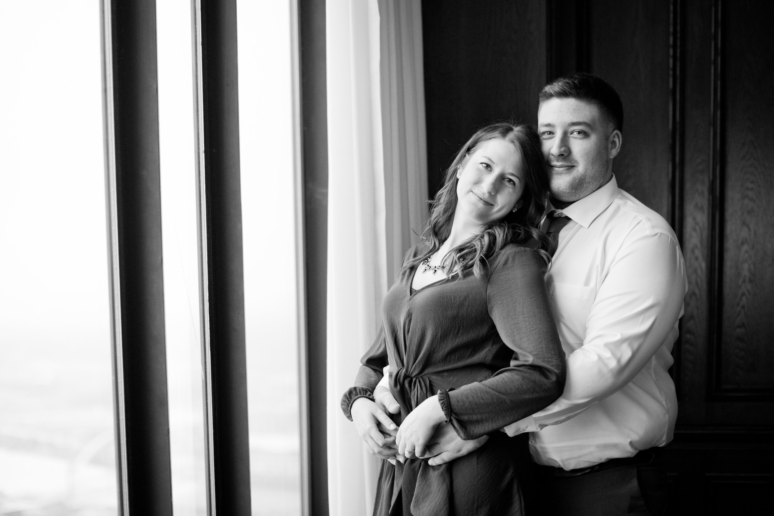 fancy engagement photo des Moines downtown