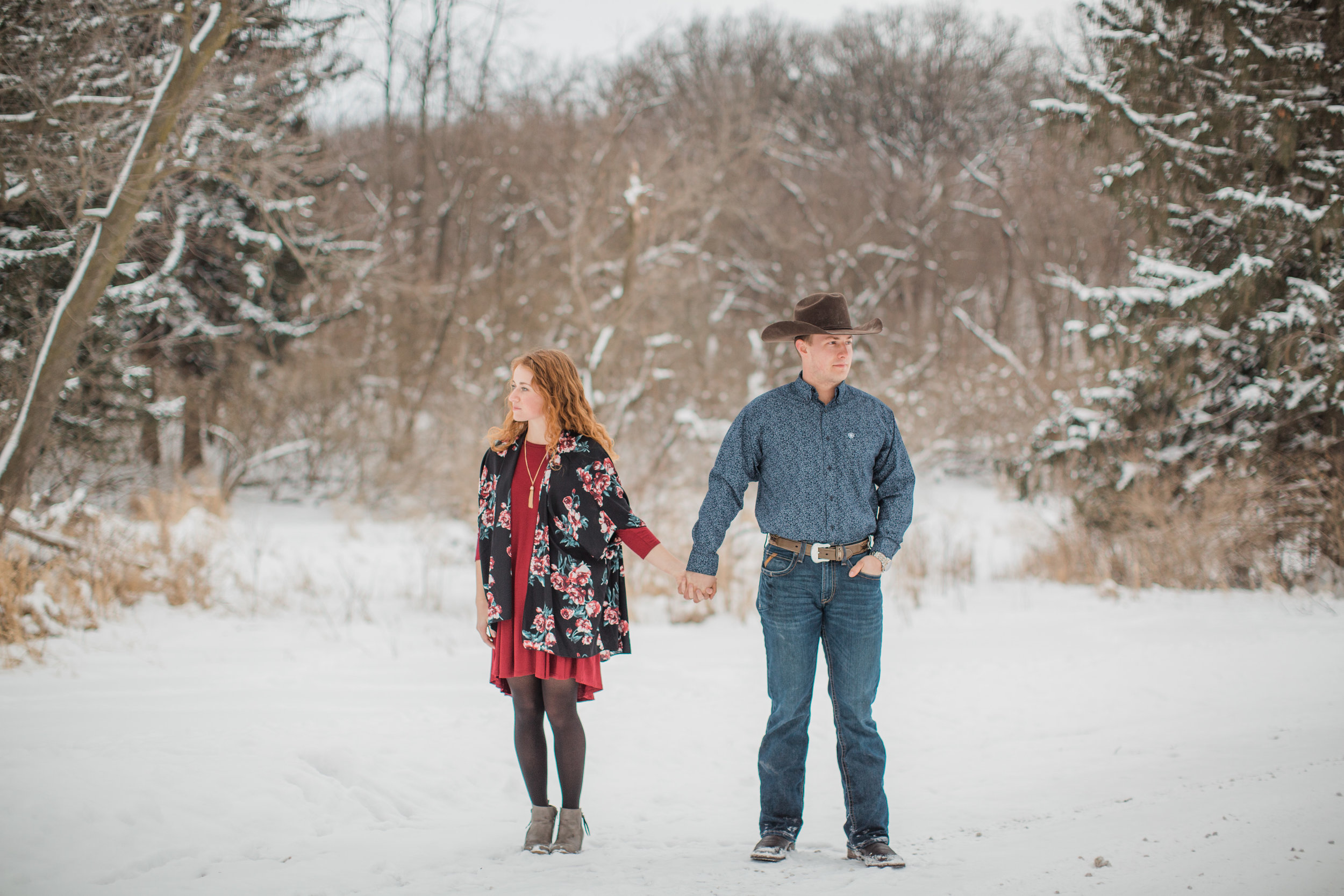 artistic wedding photographers des mOines iowa winter engagement pictures