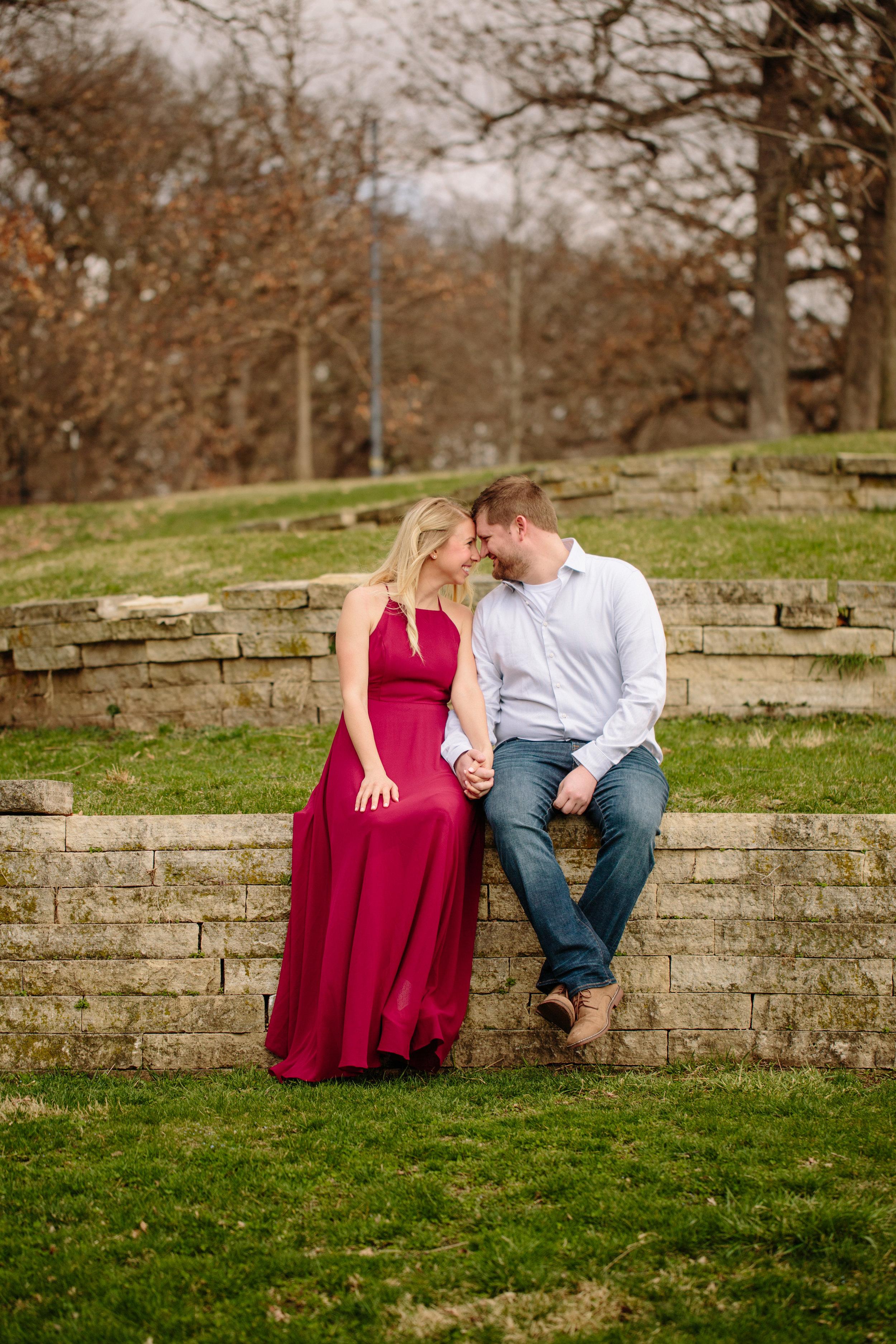 Des Moines art center rose garden engagement photos