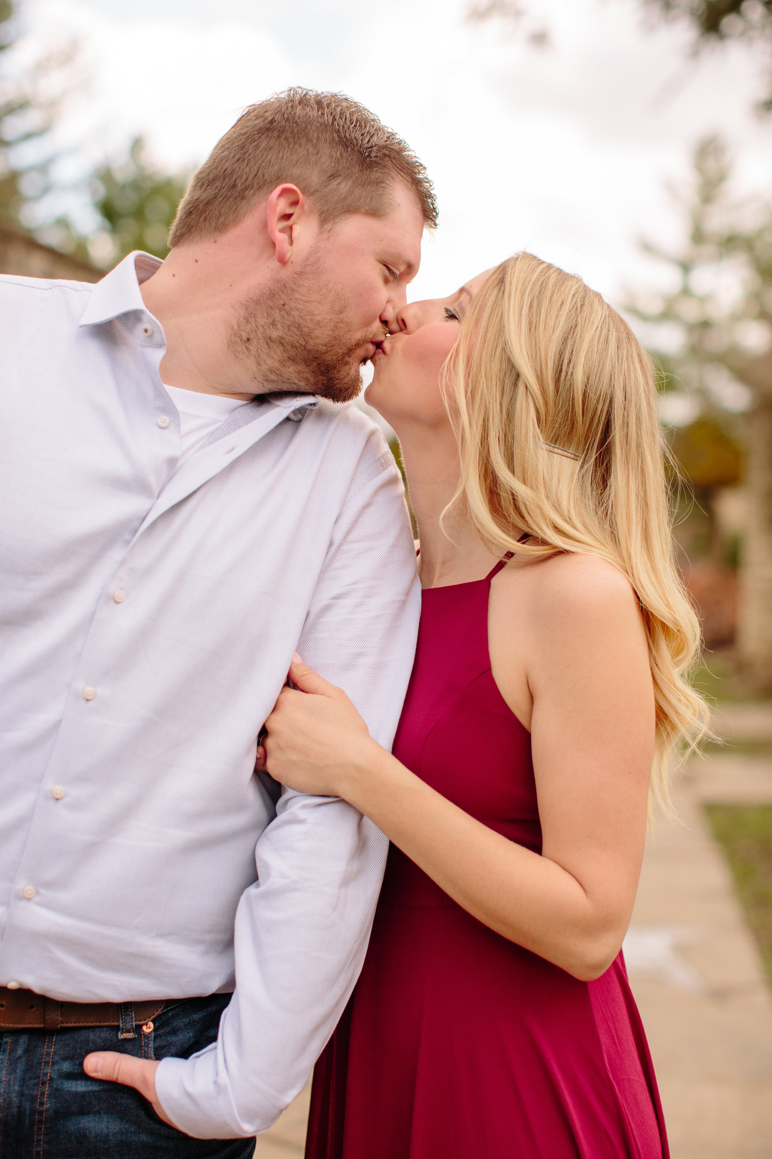 Midwest Engagement Photographer Amelia Renee based in Des Moines iowa