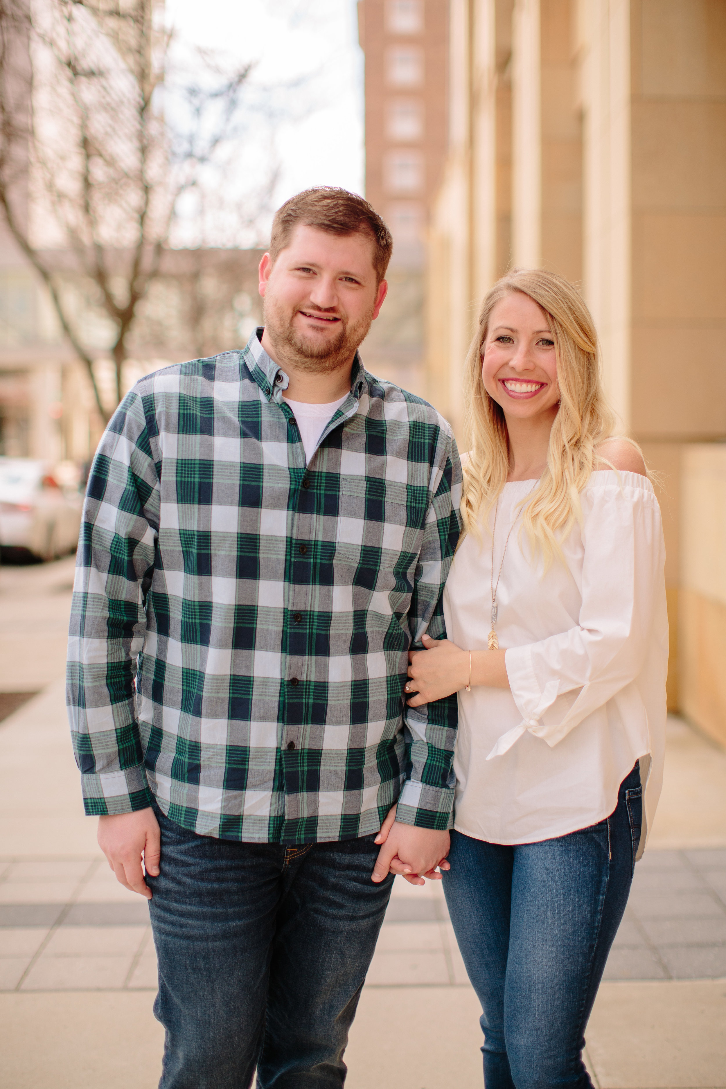 downtown des moines engagement session photography