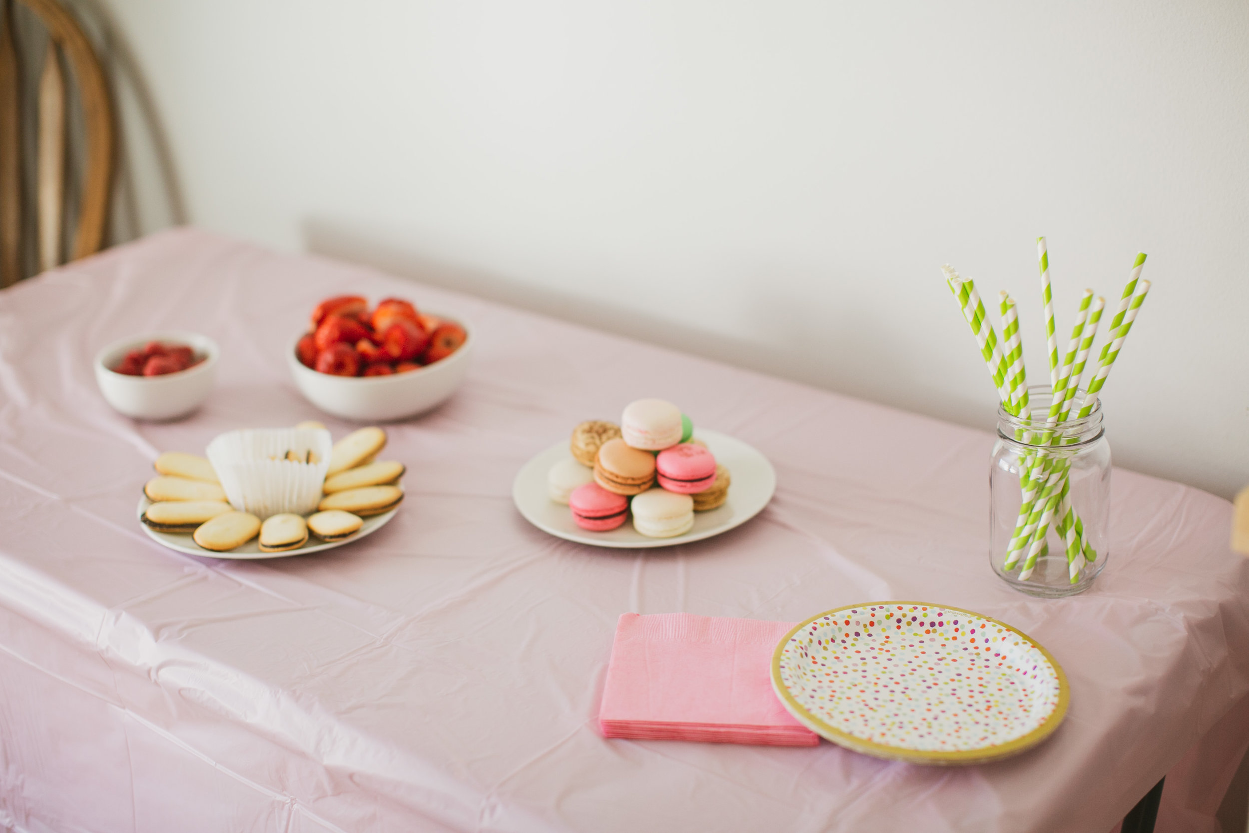 des moines macaroons and mimosas