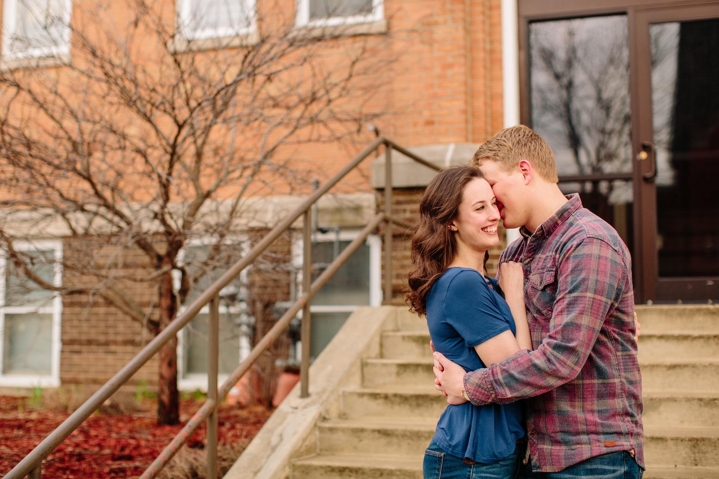 downtown Des Moines iowa wedding photographers