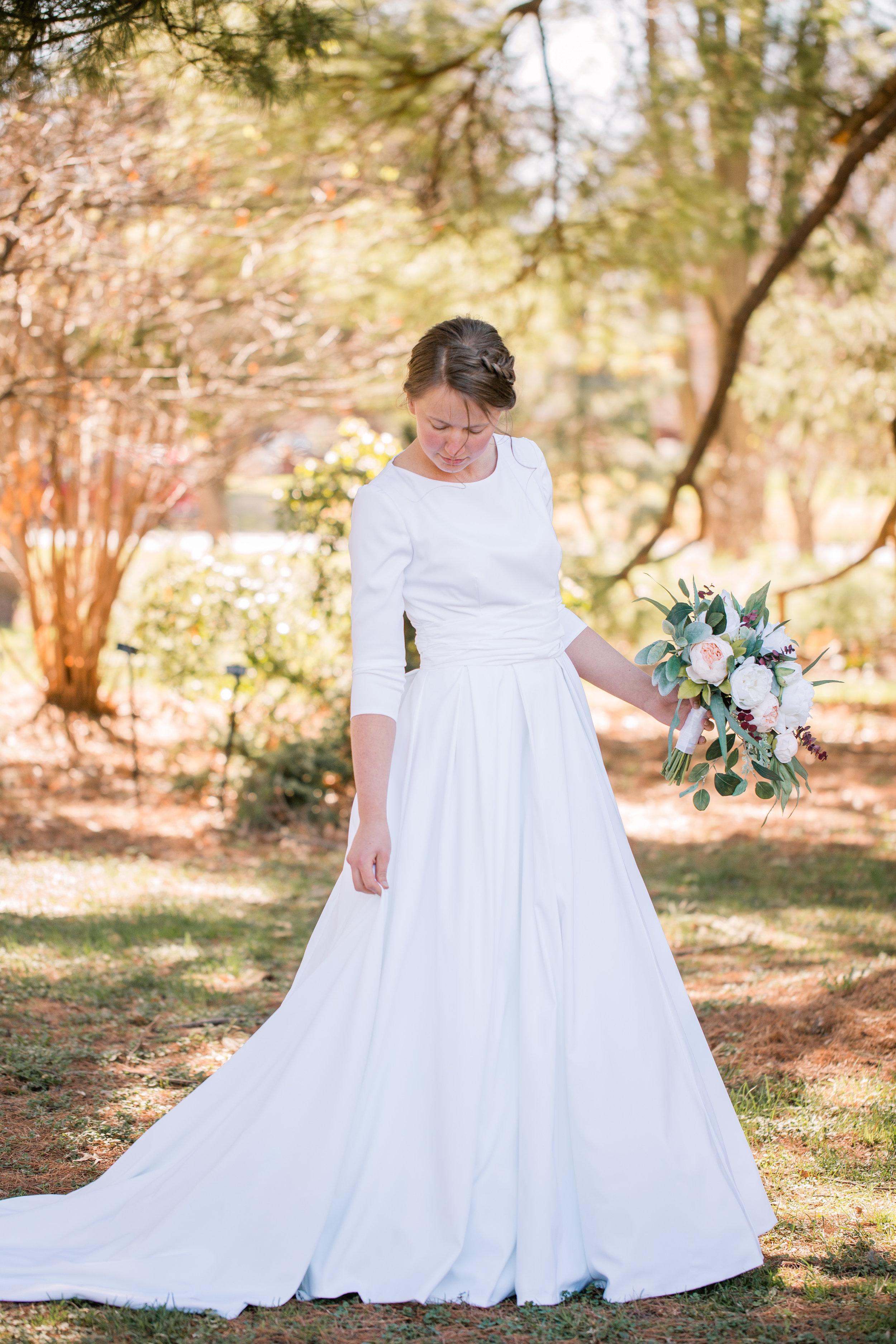 des moines bridal portraits spring wedding