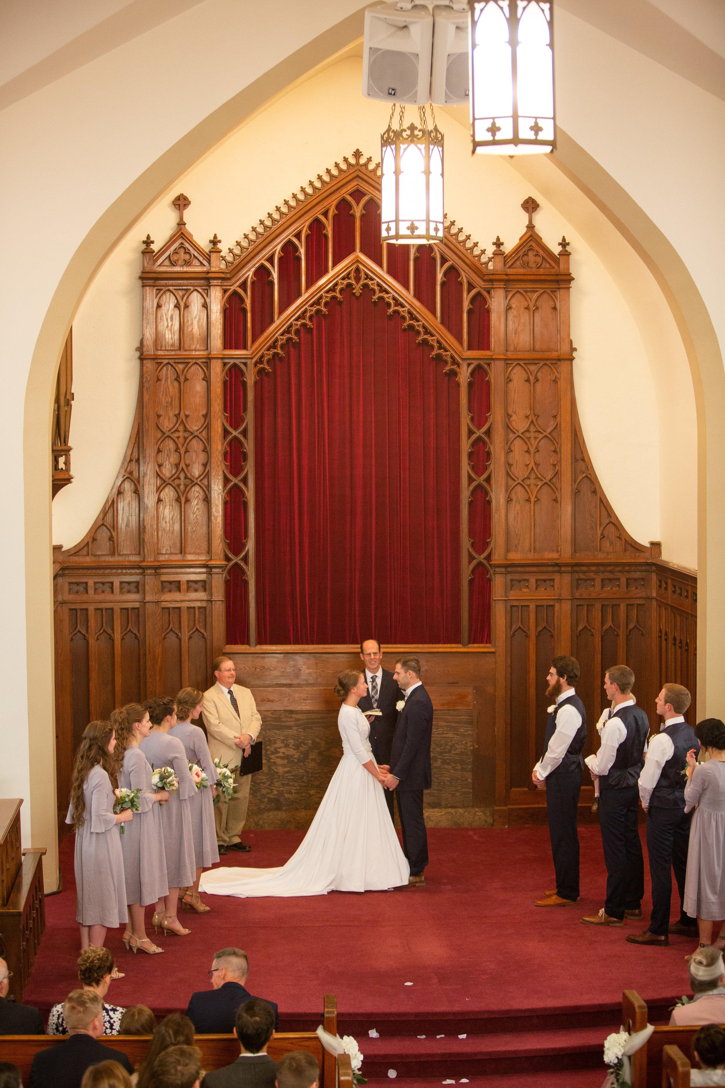 wedding photographers in Davenport Iowa