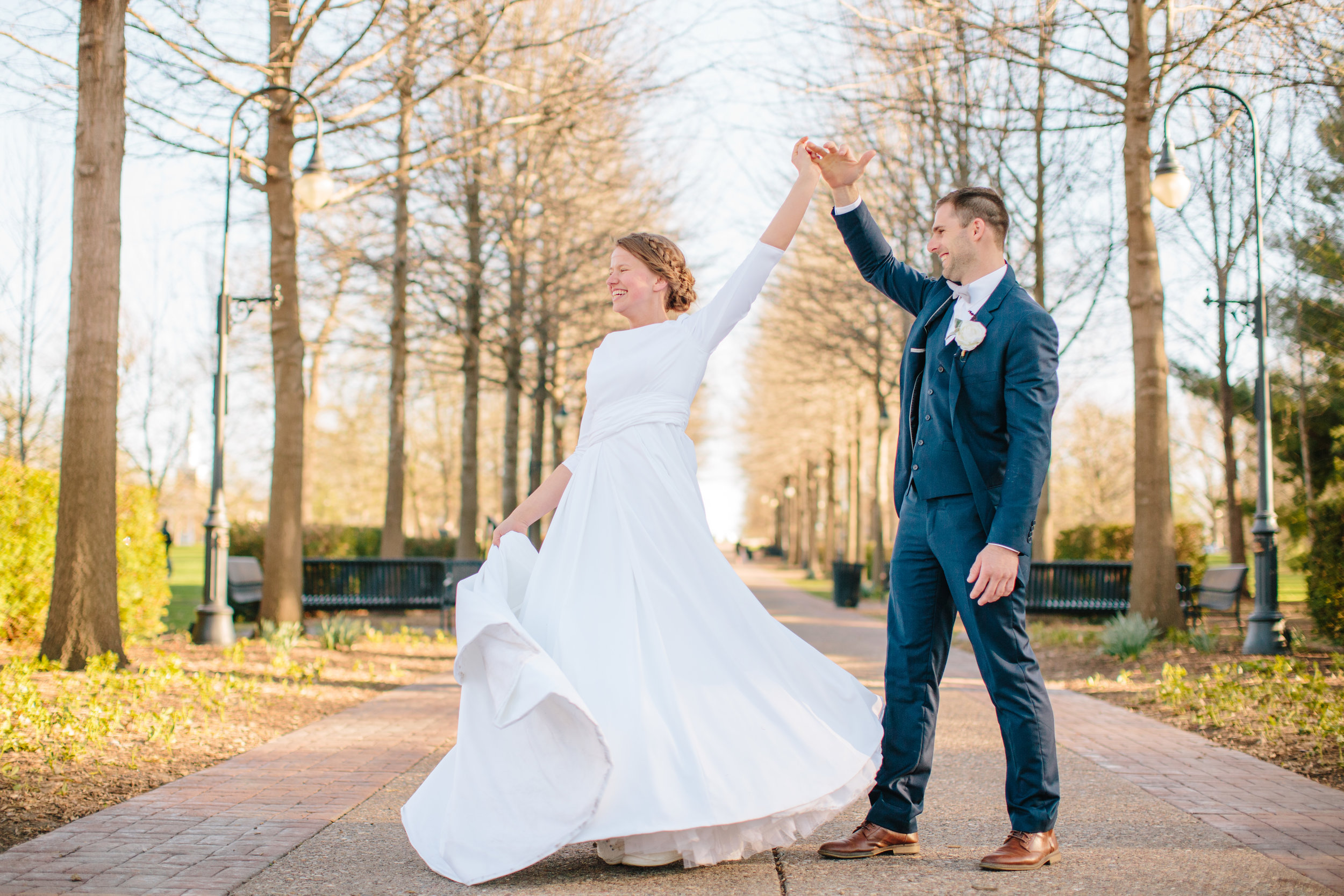 des moines wedding photographers romantic soft light and airy classic