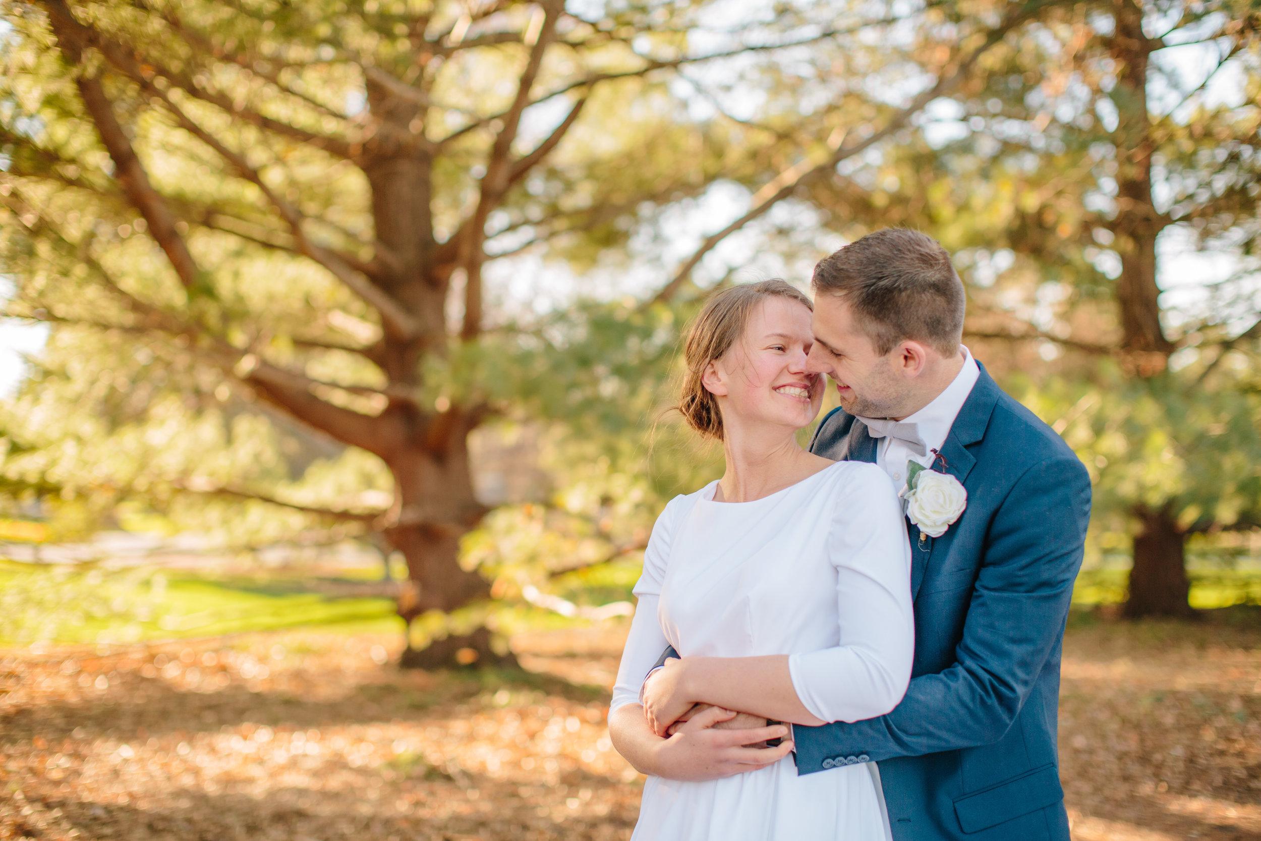 classic vibrant fun wedding photographers in Des MOines IOwa