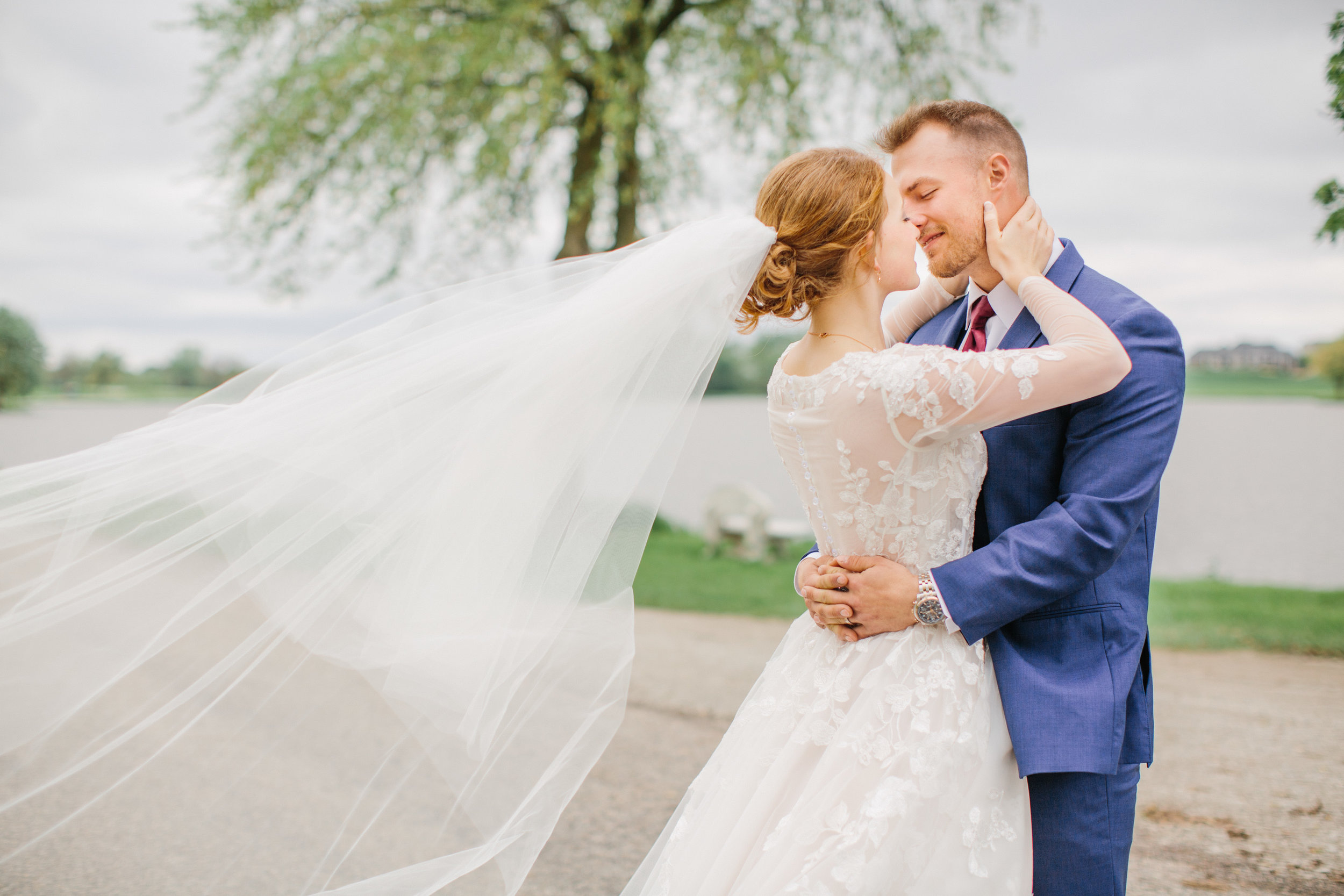 amelia renee is a premiere wedding photographer in West Des MOines Iowa