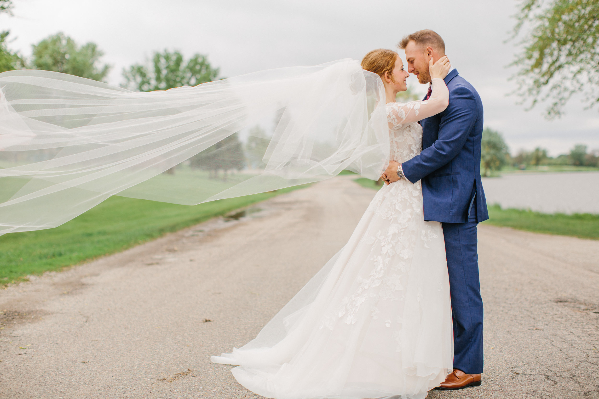 des moines wedding photographers downtown amelia renee wedding veil cathedral length photos