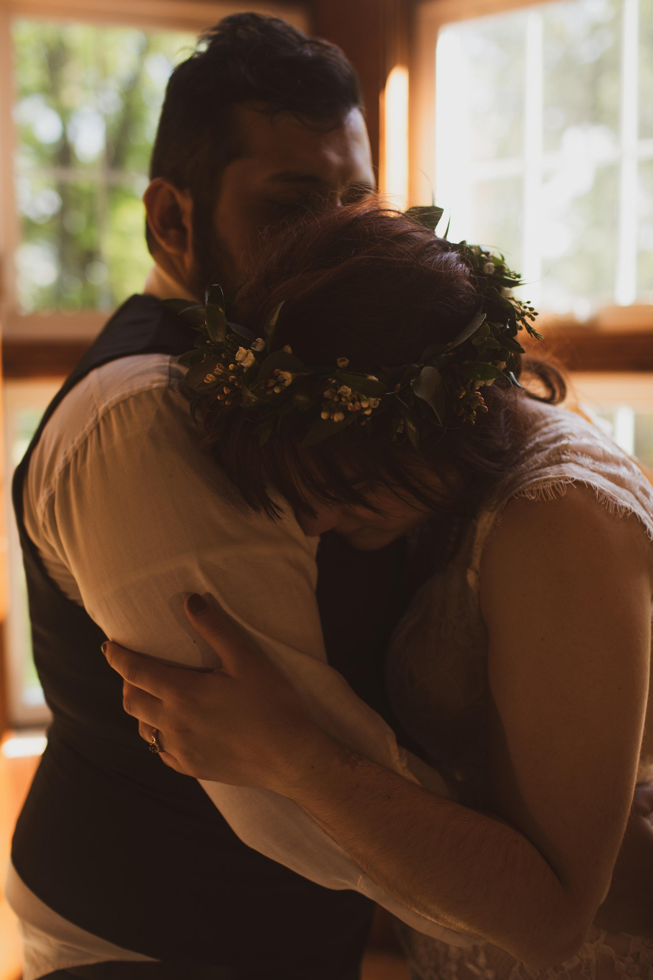 emotive emotional wedding photographers candid photos Iowa Des Moines Ames weddings