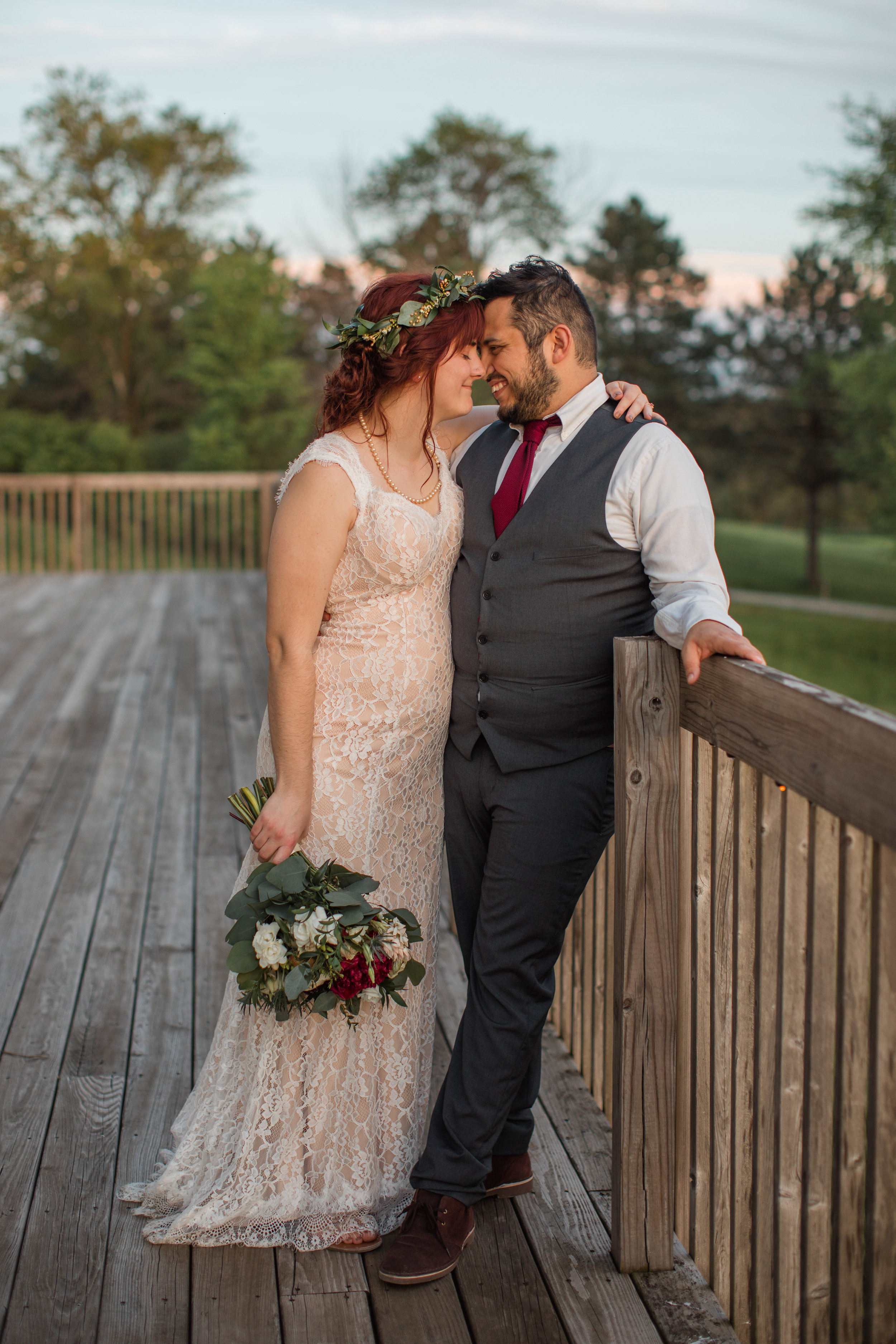 amelia renee photography des moines iowa sunset pictures bride and groom outdoor wedding