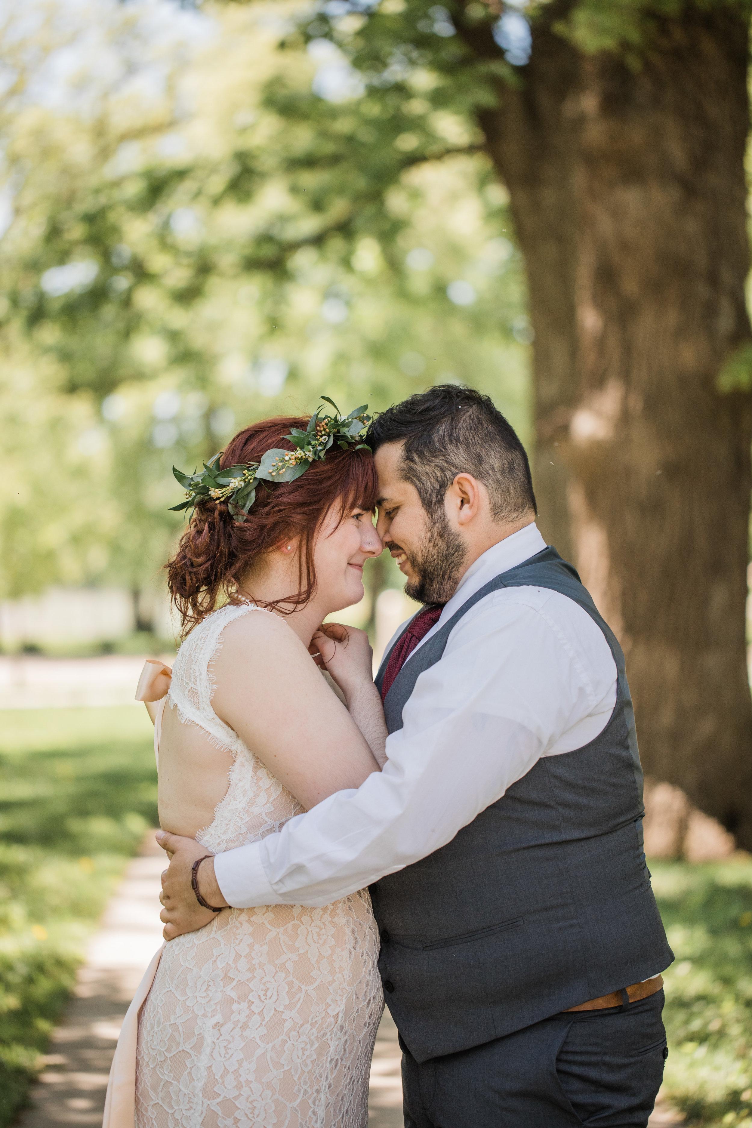 outdoor iowa wedding photographers