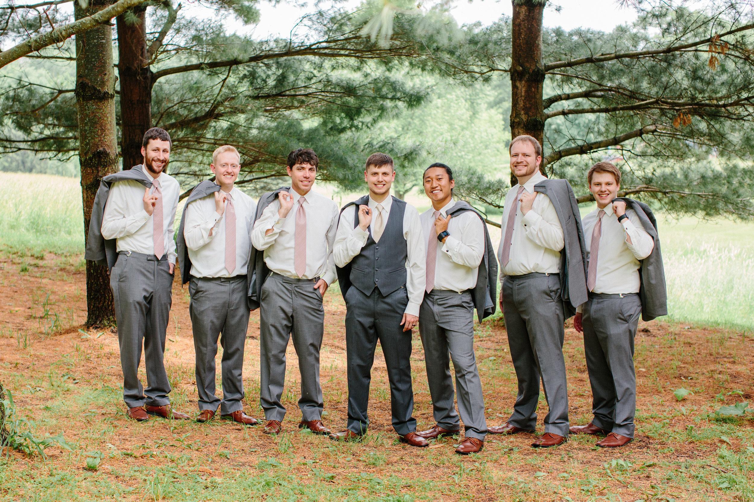 groomsmen phtoos