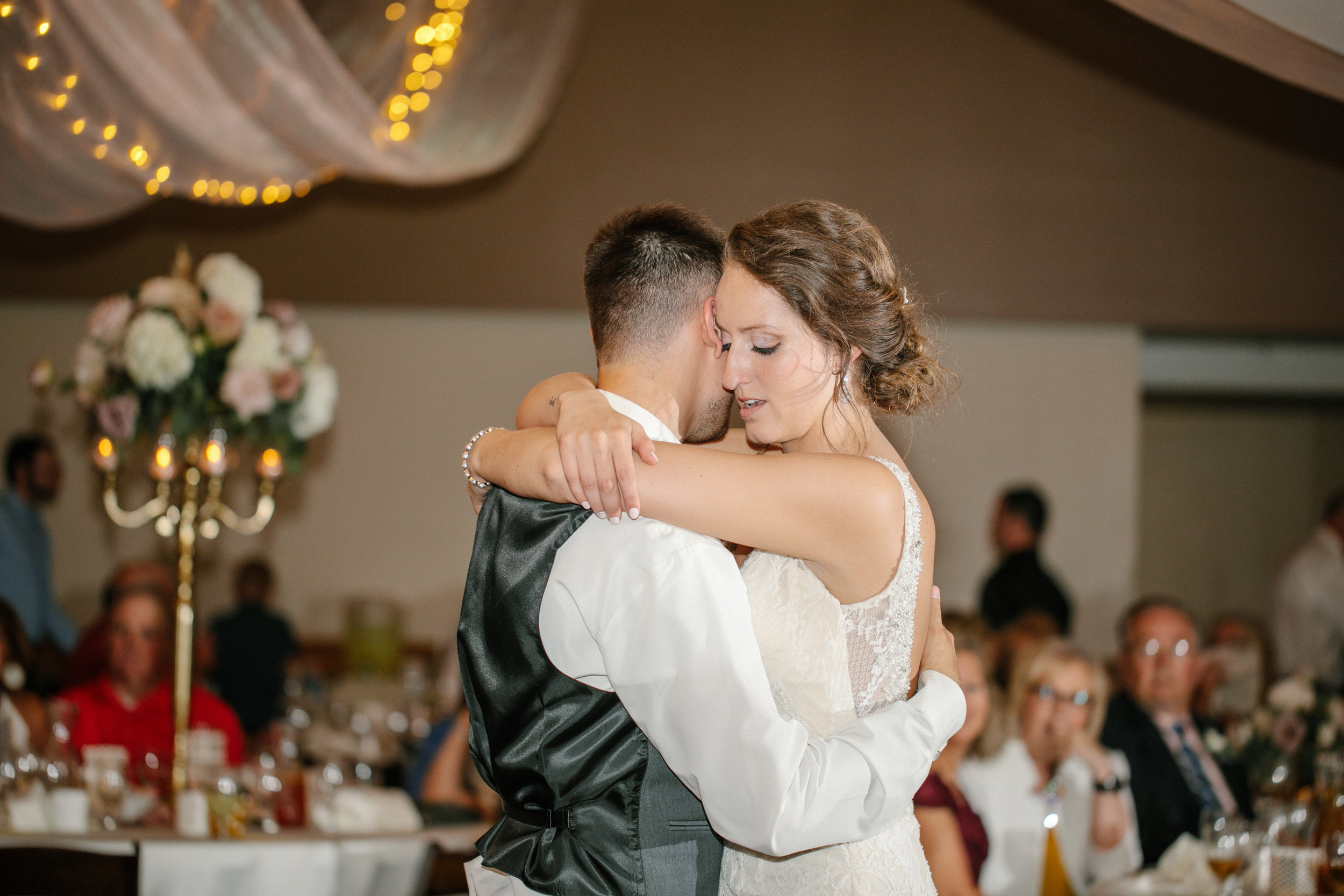pella_wedding_photographers_iowa_des_moines_jenna_treye_36