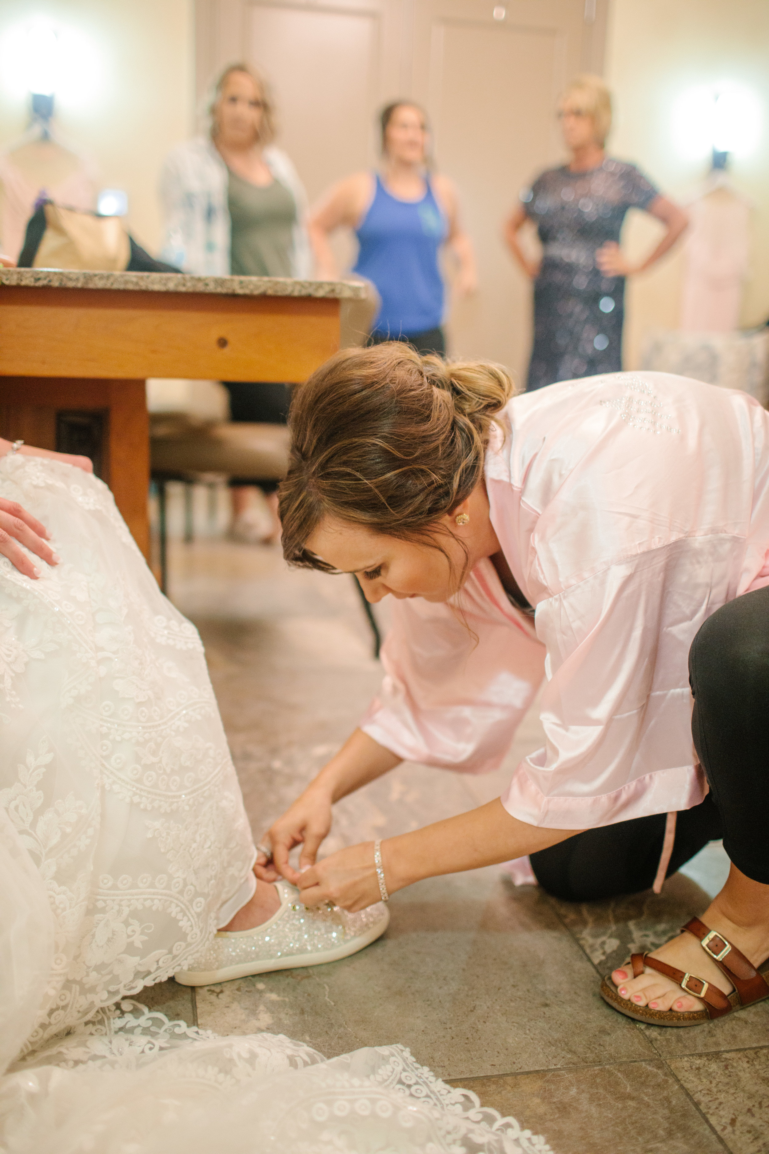 nicole_kyle_west_des_moines_iowa_wedding_photographers_20.jpg
