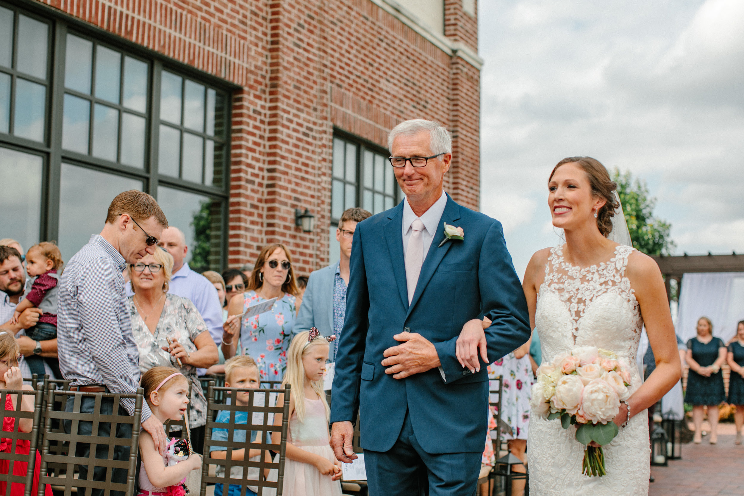 nicole_kyle_west_des_moines_iowa_wedding_photographers_42.jpg