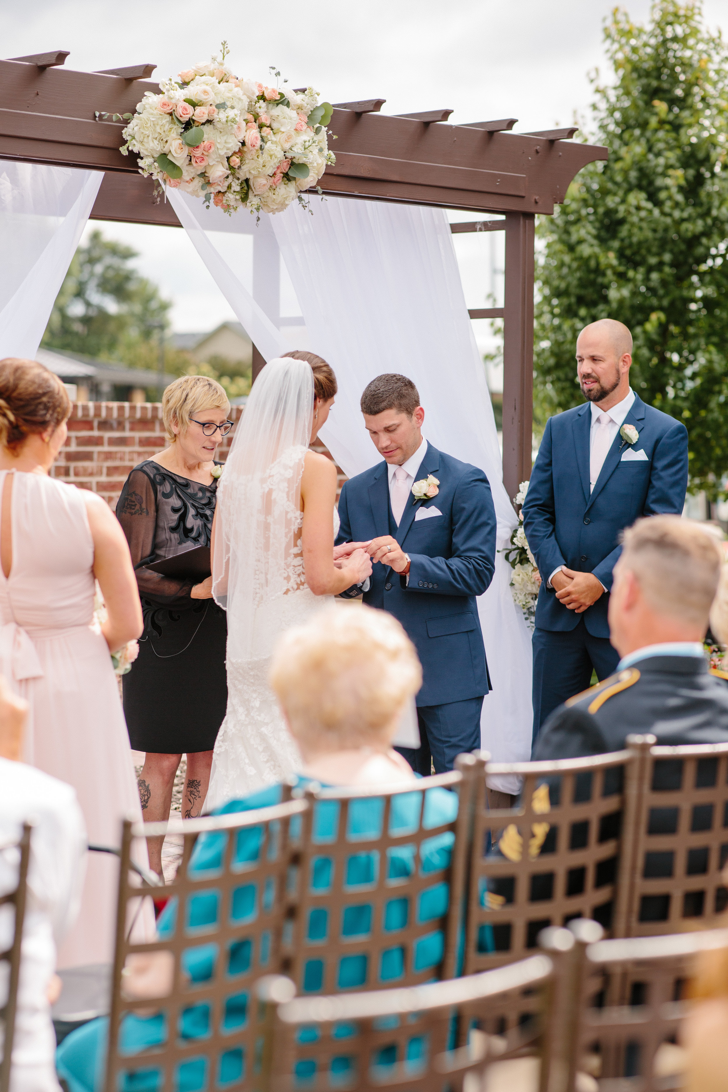nicole_kyle_west_des_moines_iowa_wedding_photographers_45.jpg