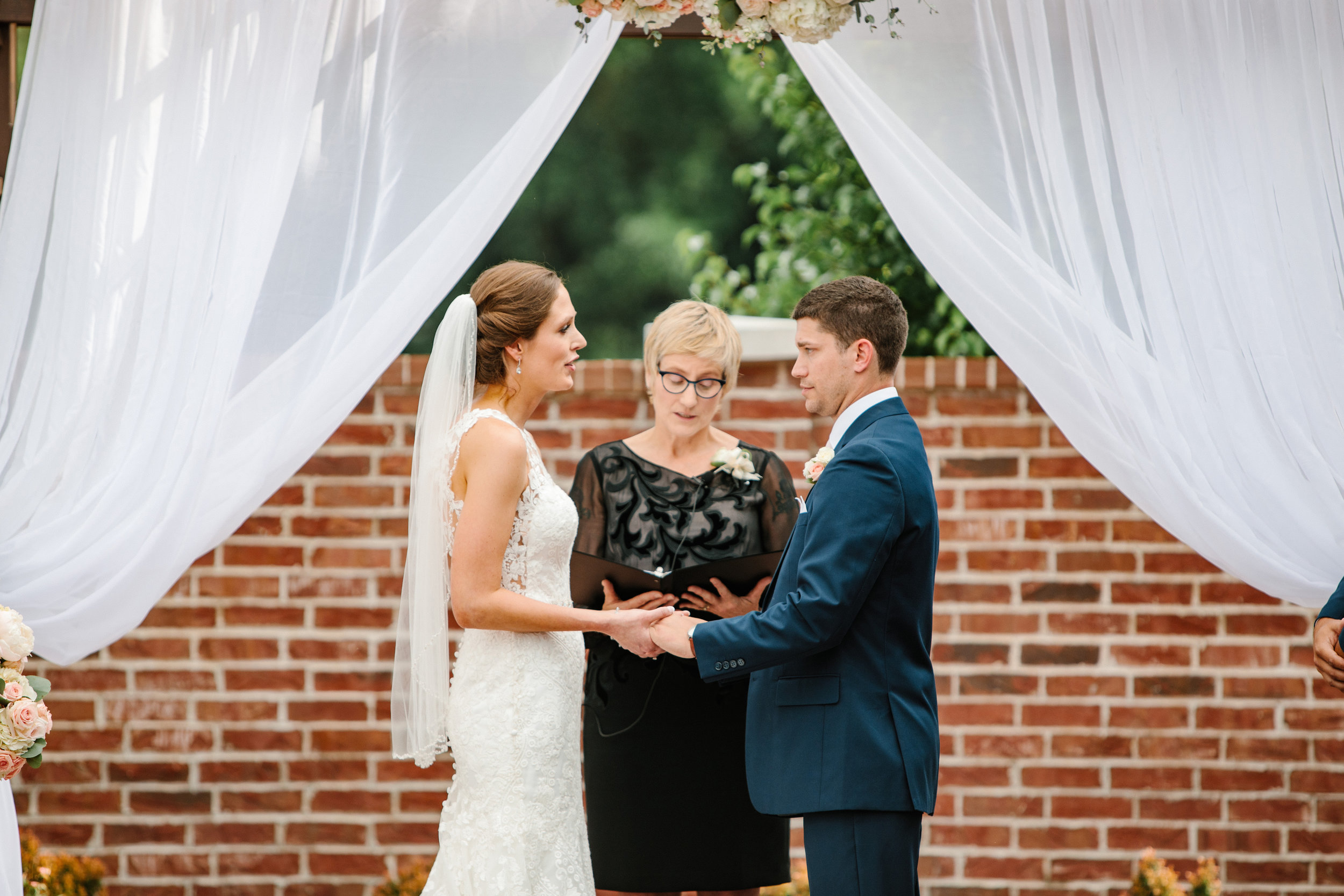 des moines iowa outdoor weddings