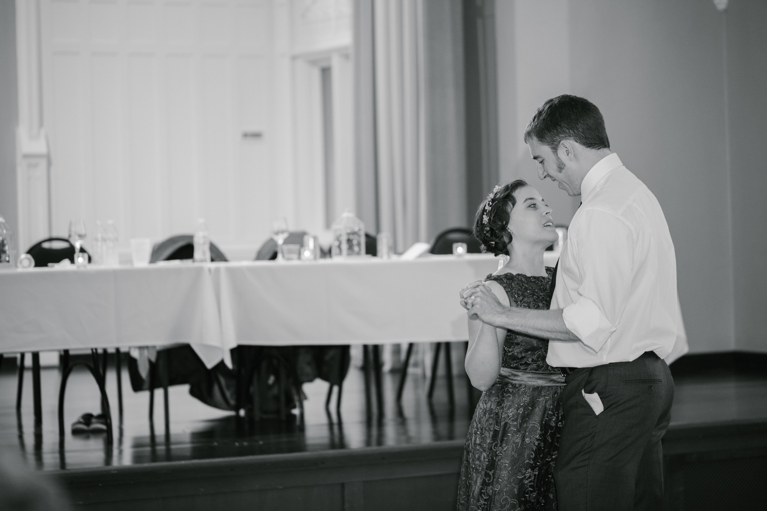 first dance wedding pictures