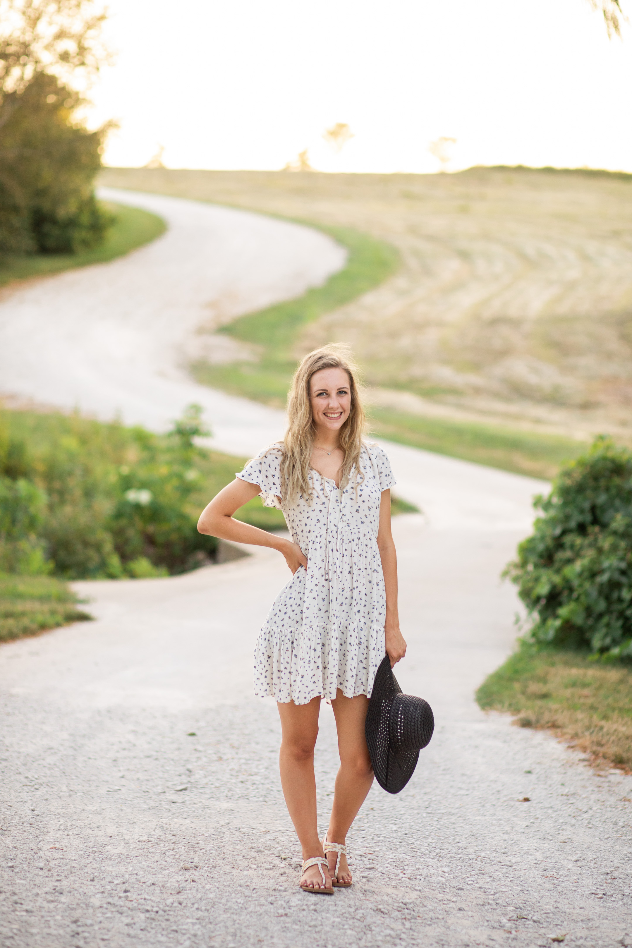 farmhouse_iowa_waterloo_west_senior_pictures-34.jpg