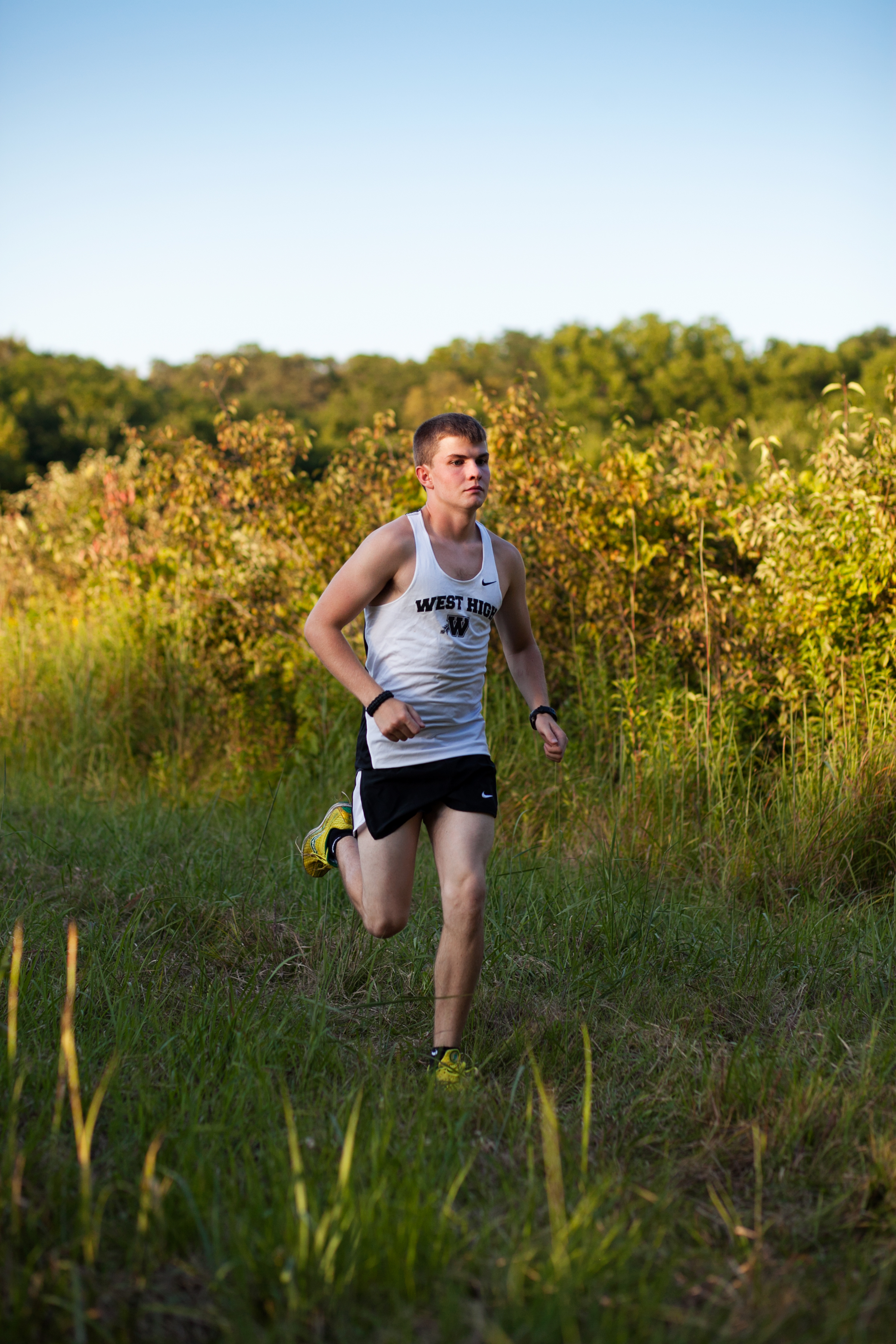 cross country senior photos for guys des moines photographers