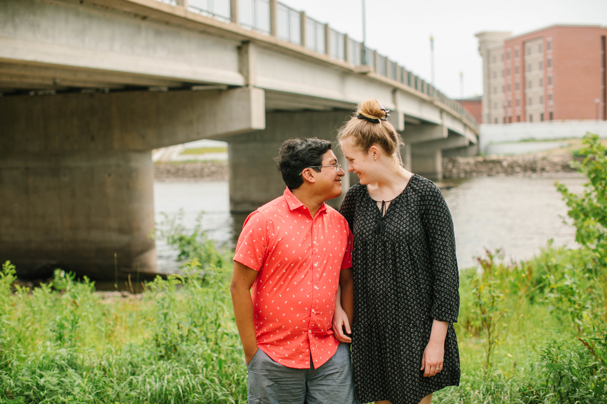 engagement pictures by the river cedar rapids