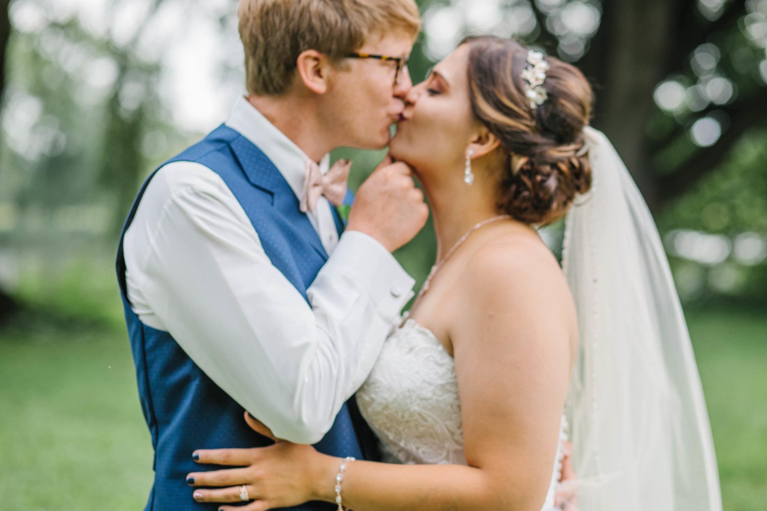 romantic wedding photos amelia renee photography