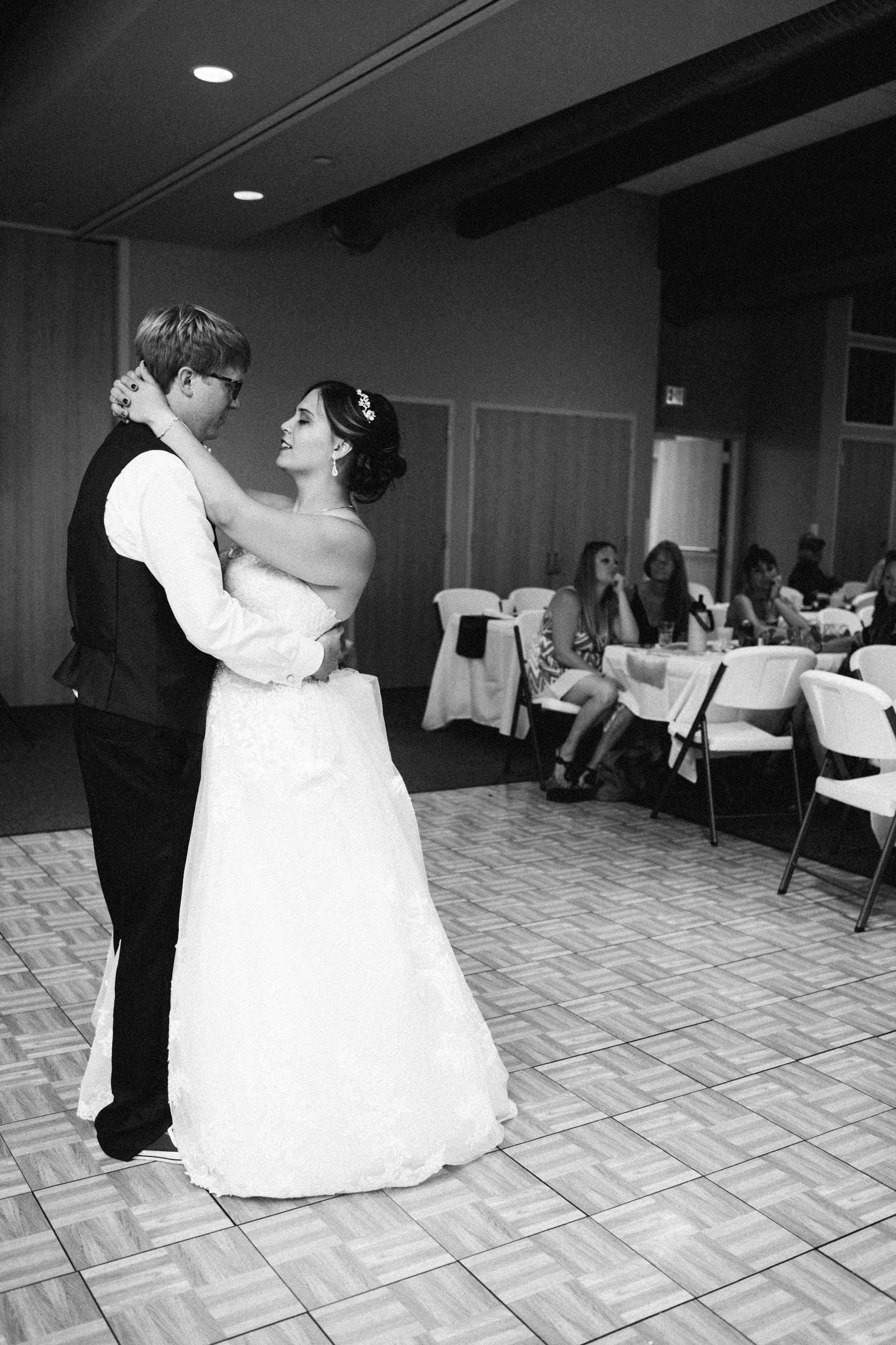 cedar falls waterloo wedding photos