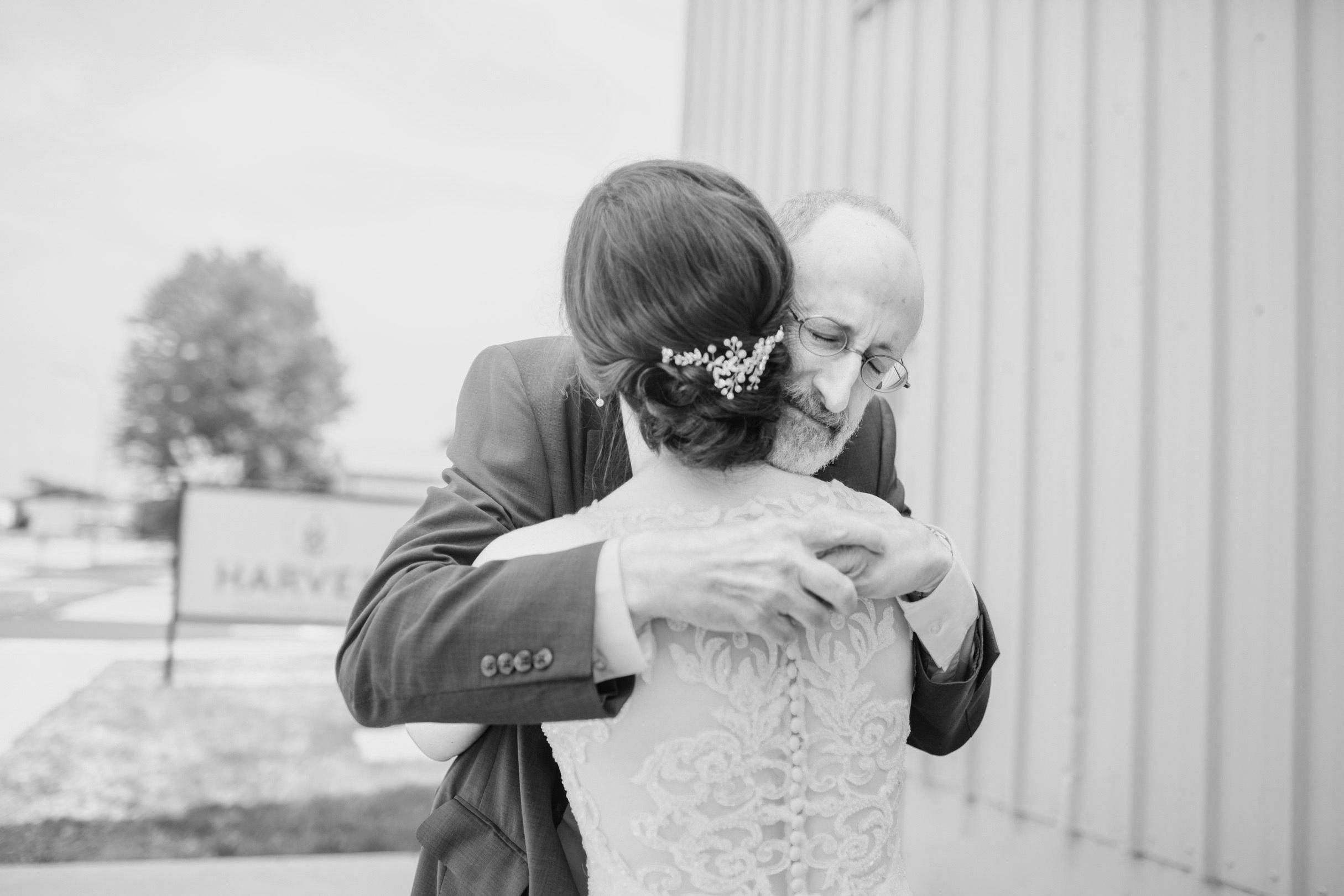 gabby_david_the_chateau_white_oak_wedding_022.jpg