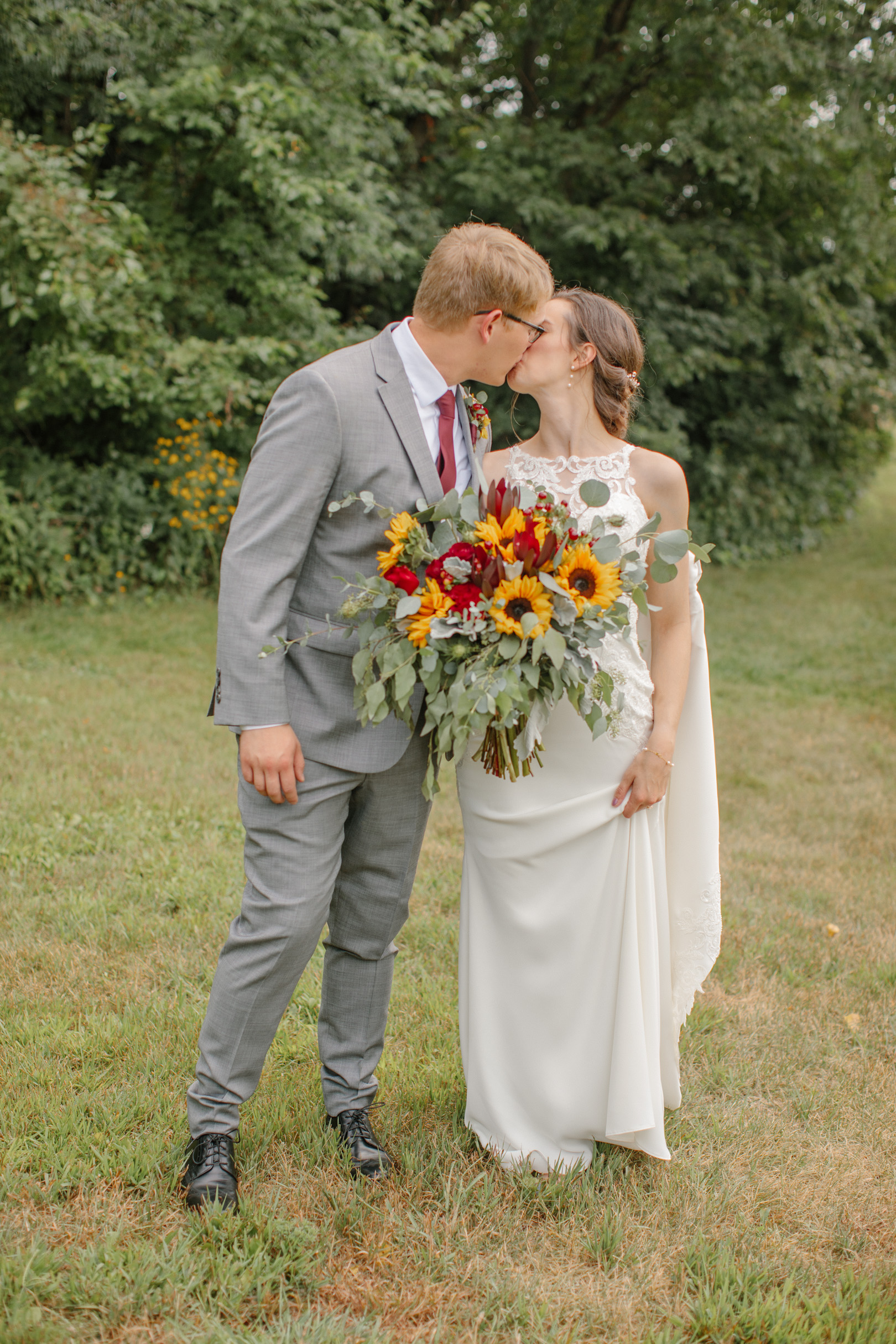 gabby_david_the_chateau_white_oak_wedding_37.jpg