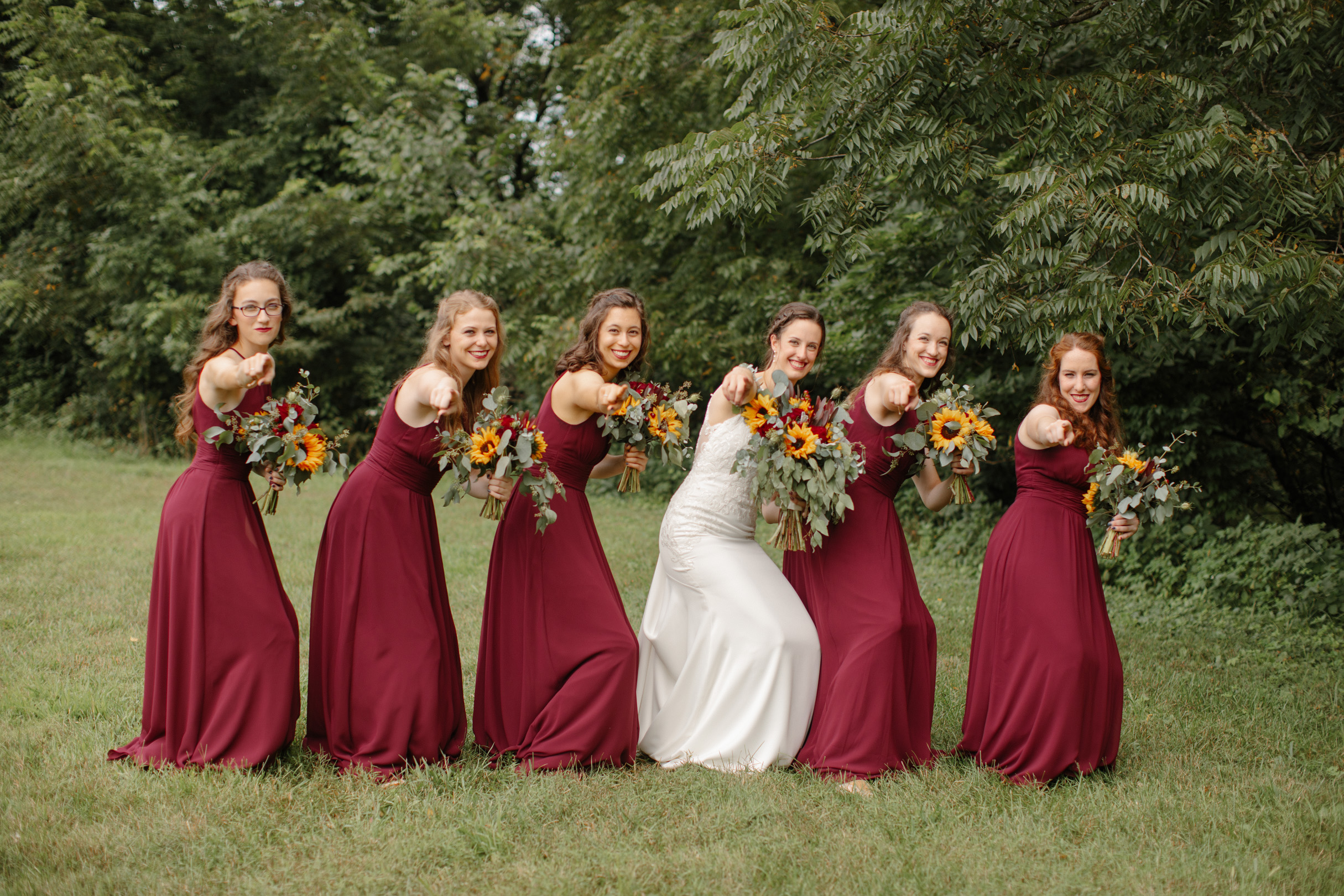 funny pose ideas for bridal party